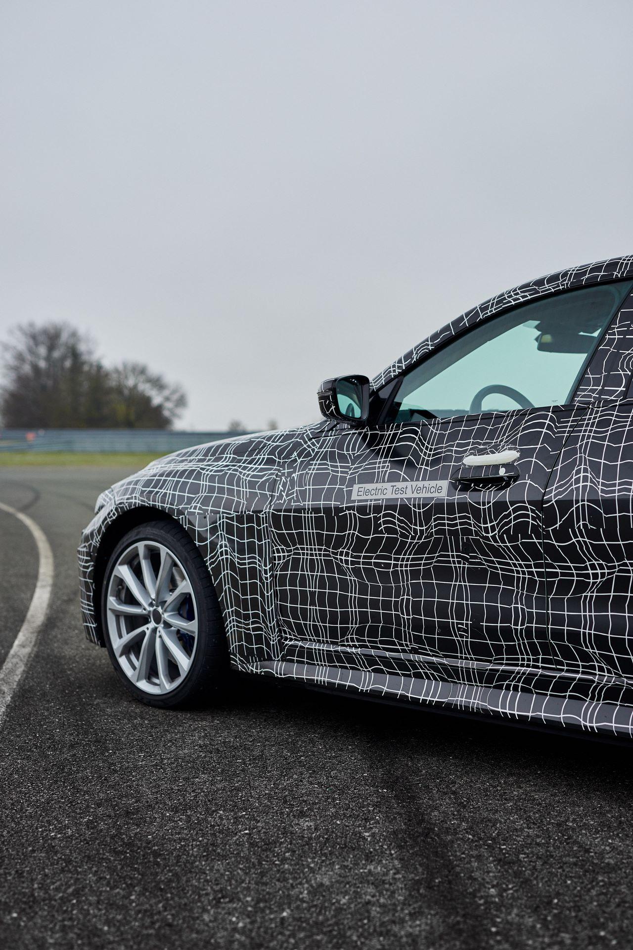 BMW-i4-spy-photos-17