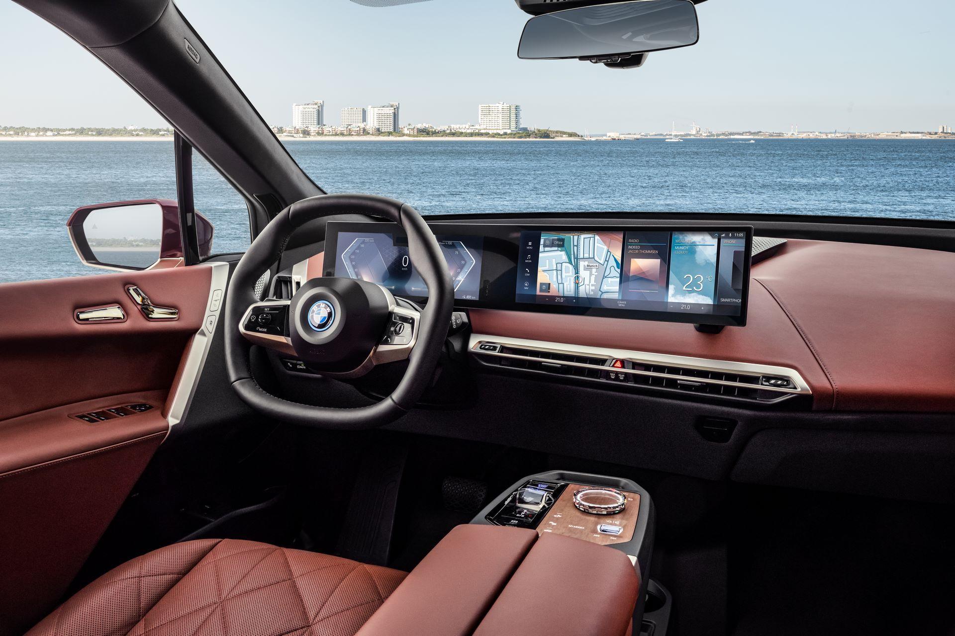 BMW-iDrive-8-4