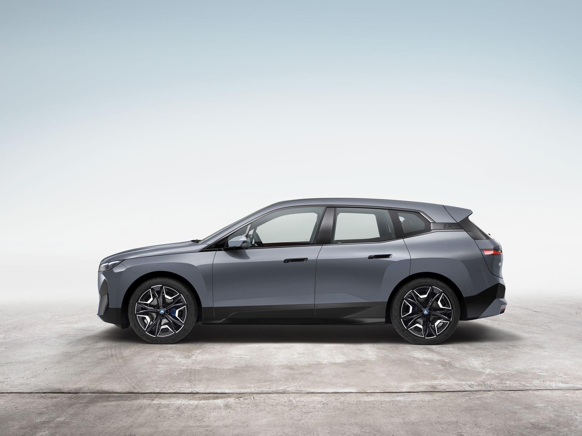 BMW-iX-11