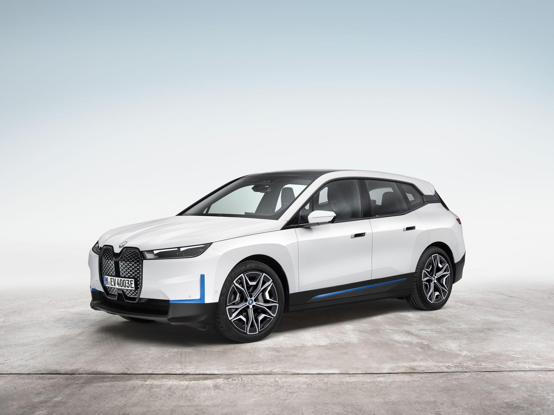 BMW-iX-12