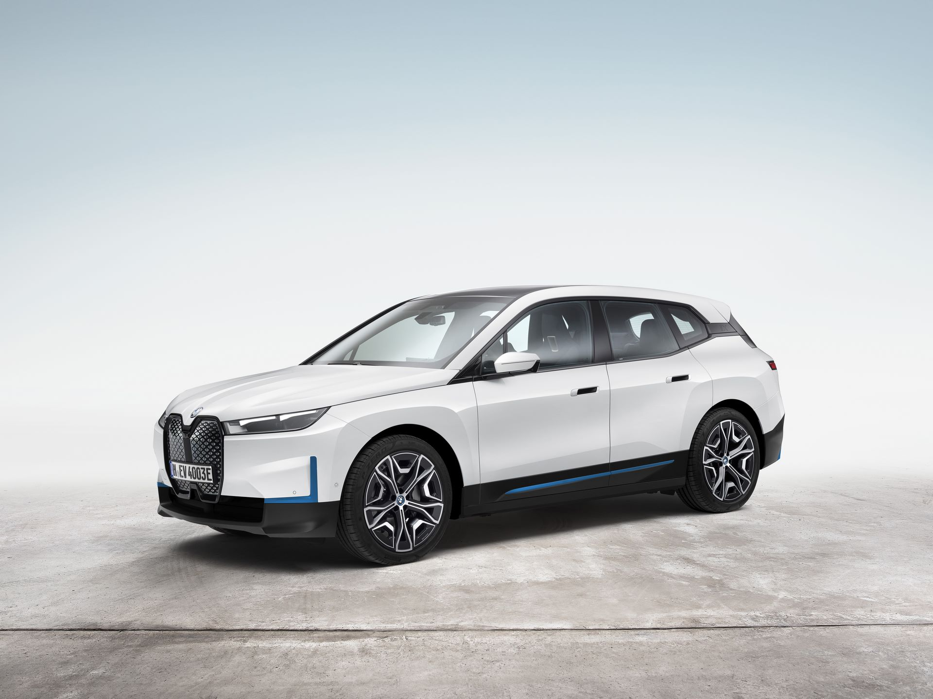 BMW-iX-13