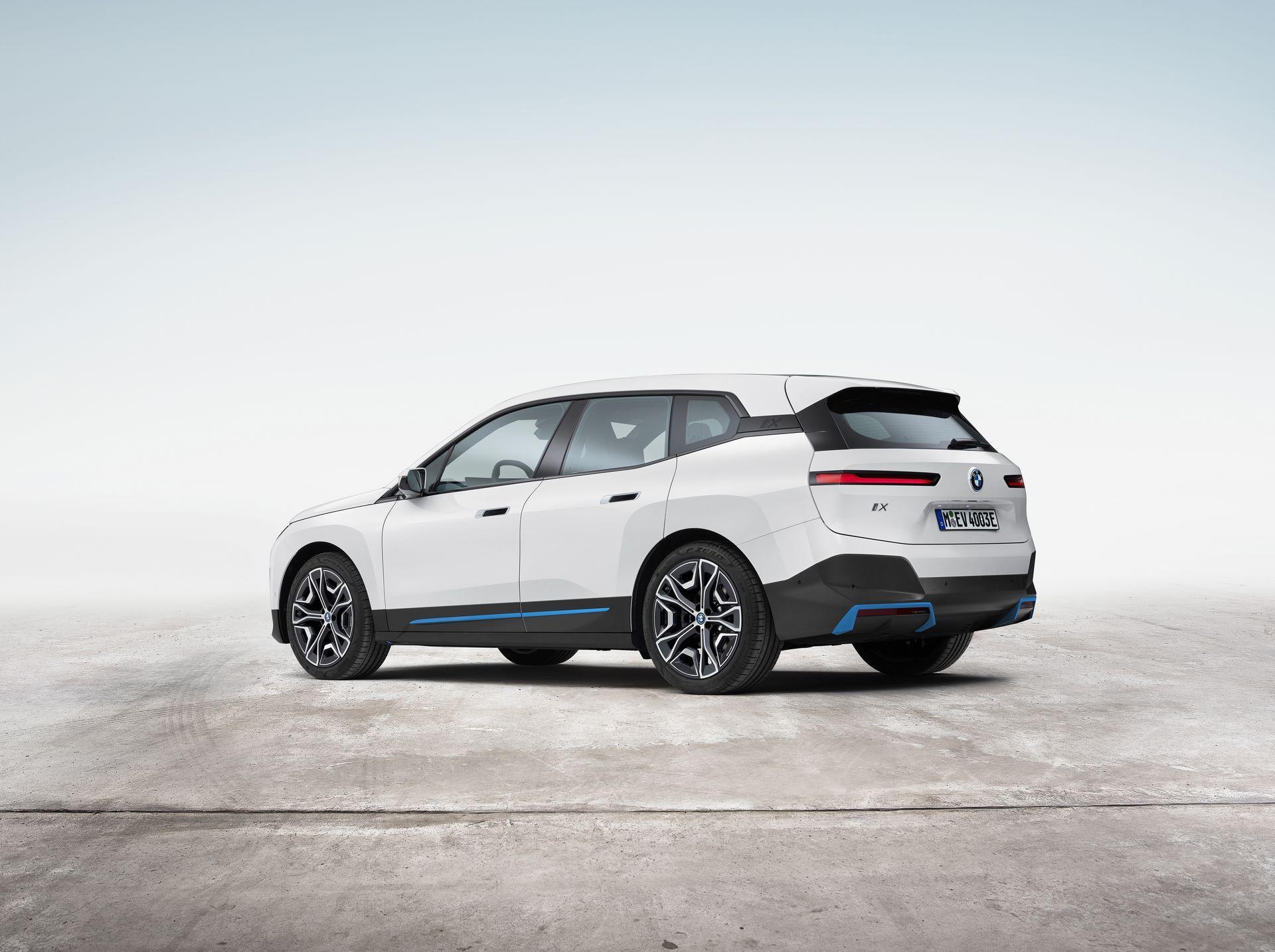 BMW-iX-14