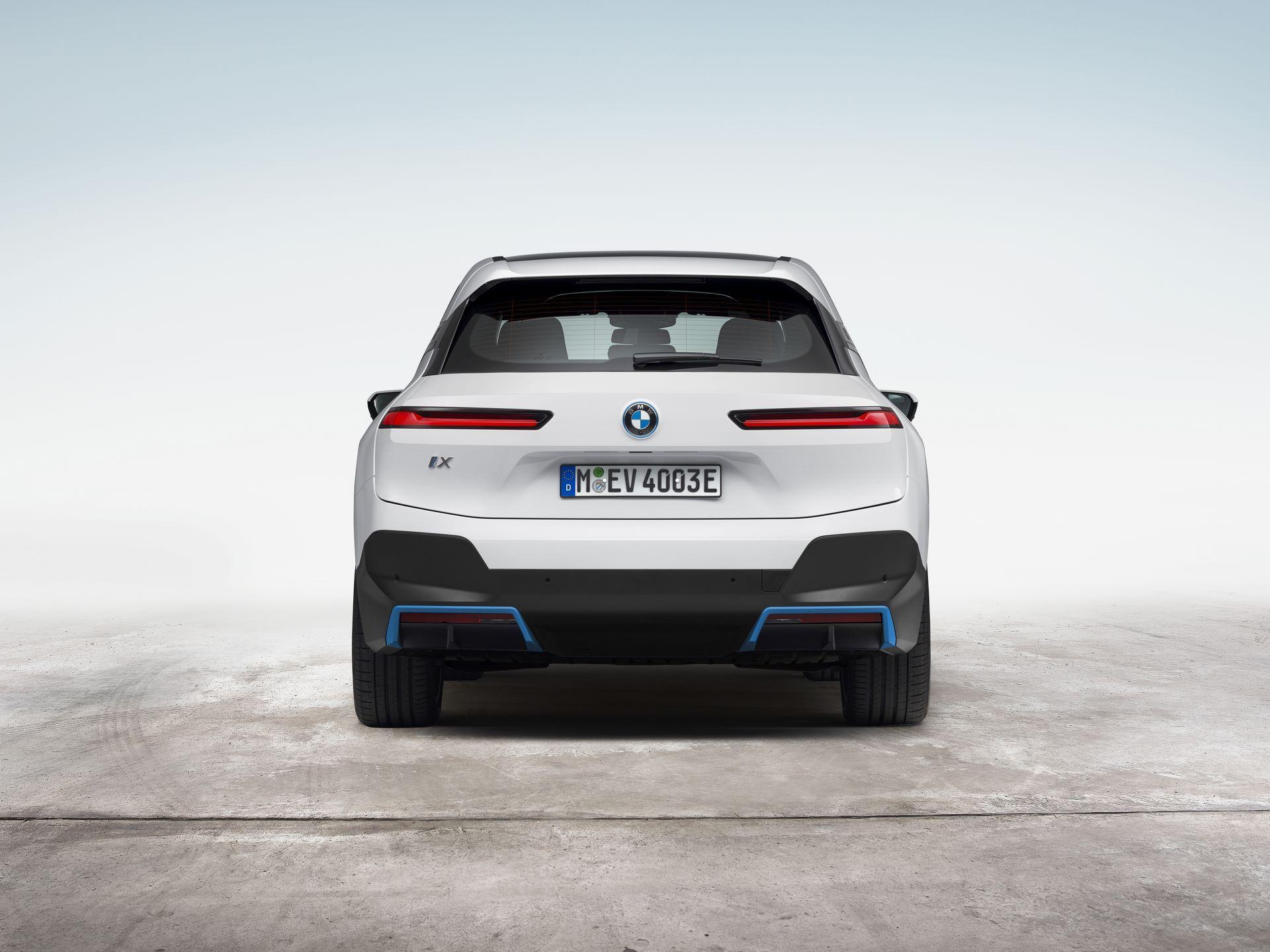 BMW-iX-17