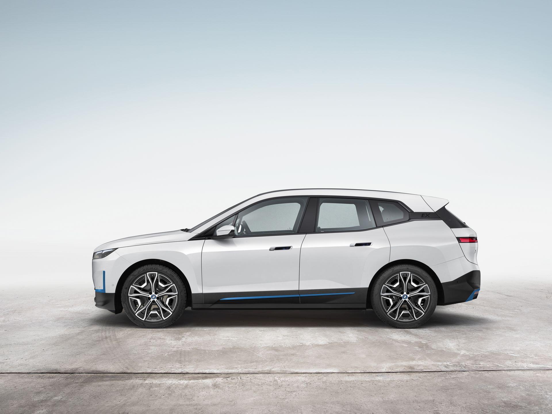 BMW-iX-18