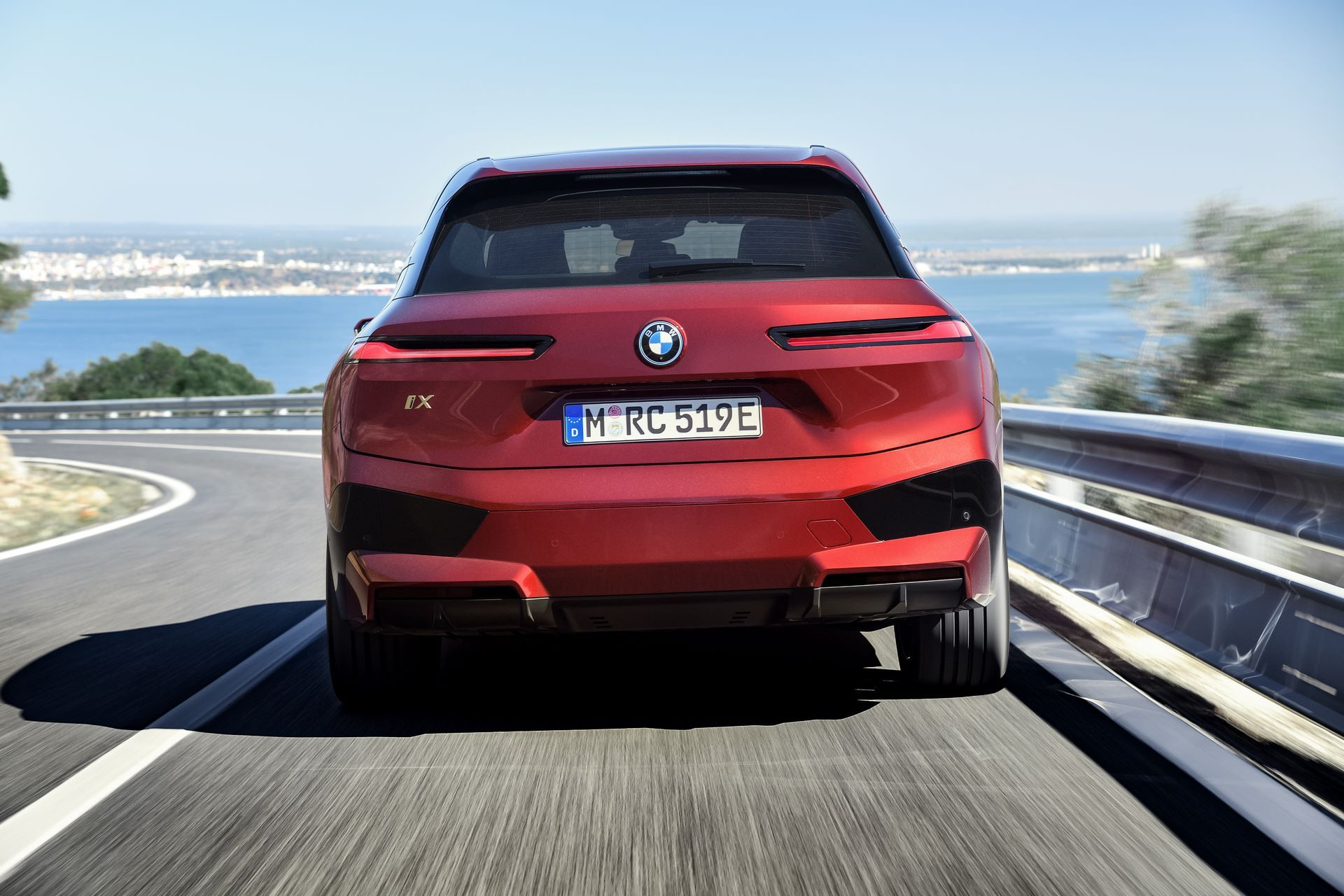 BMW-iX-24