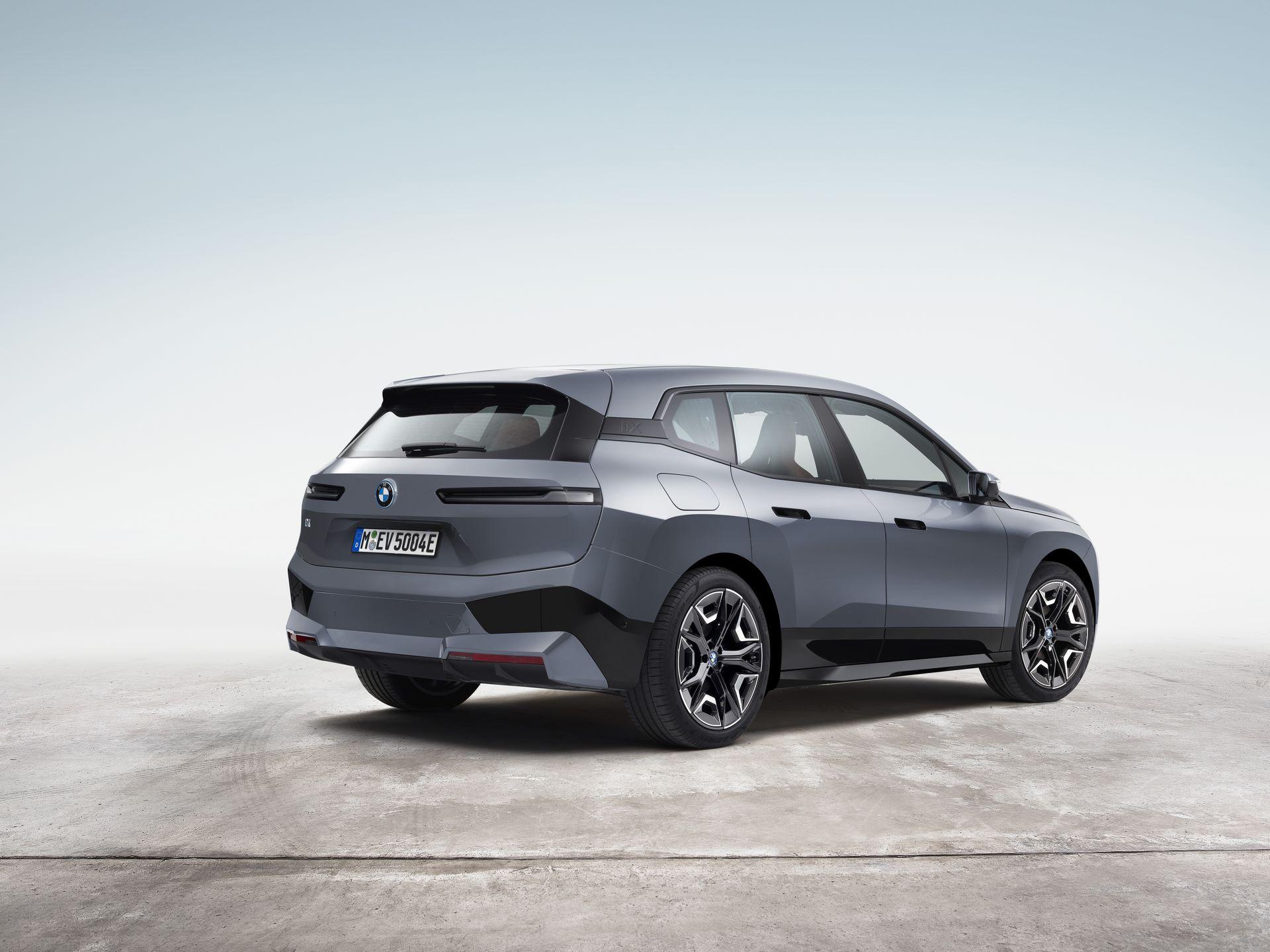 BMW-iX-4