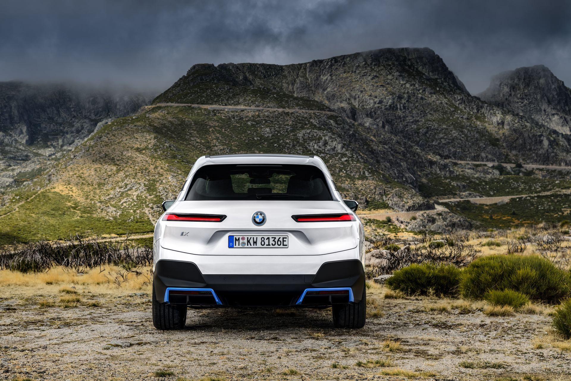 BMW-iX-55