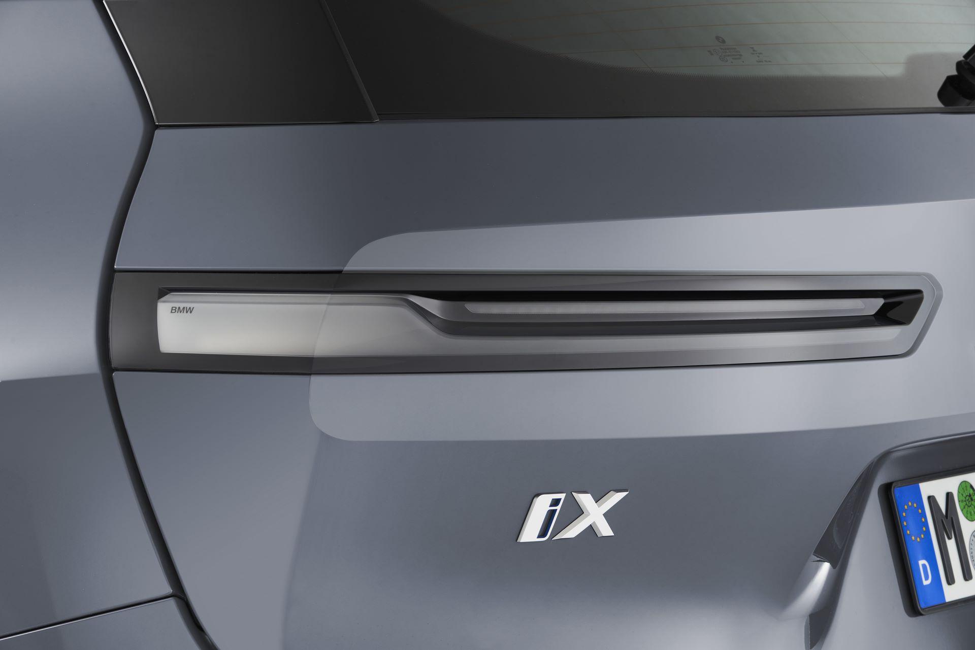 BMW-iX-73