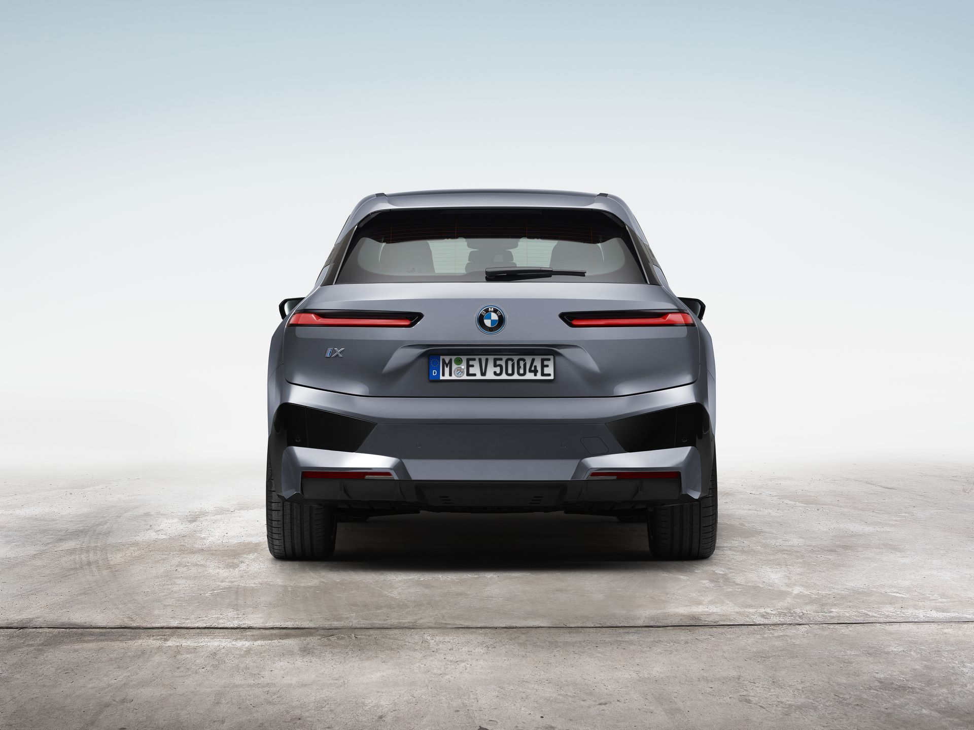 BMW-iX-9