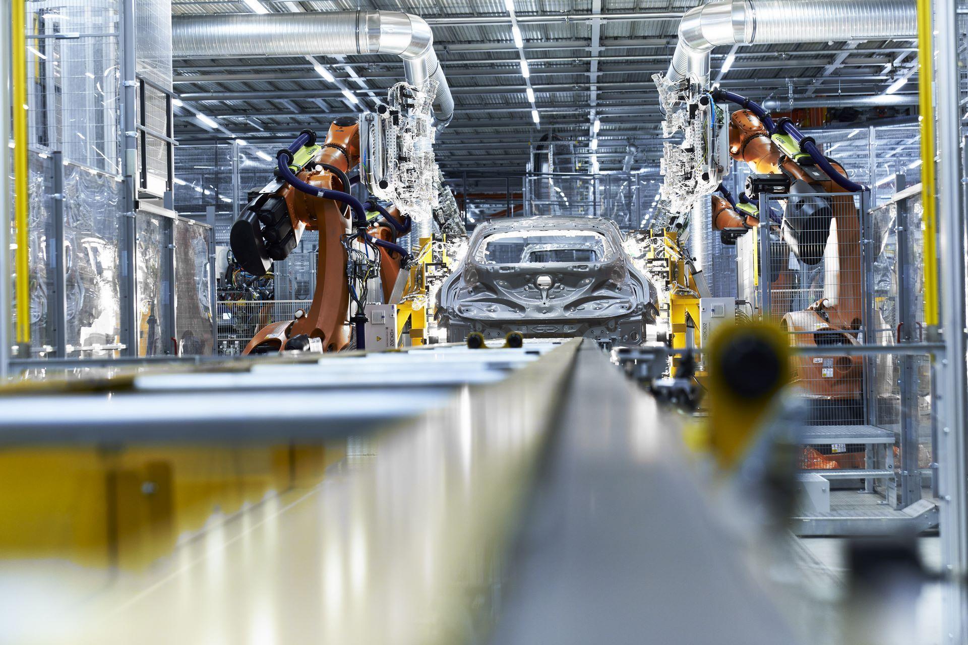 BMW-iX-Plant-1