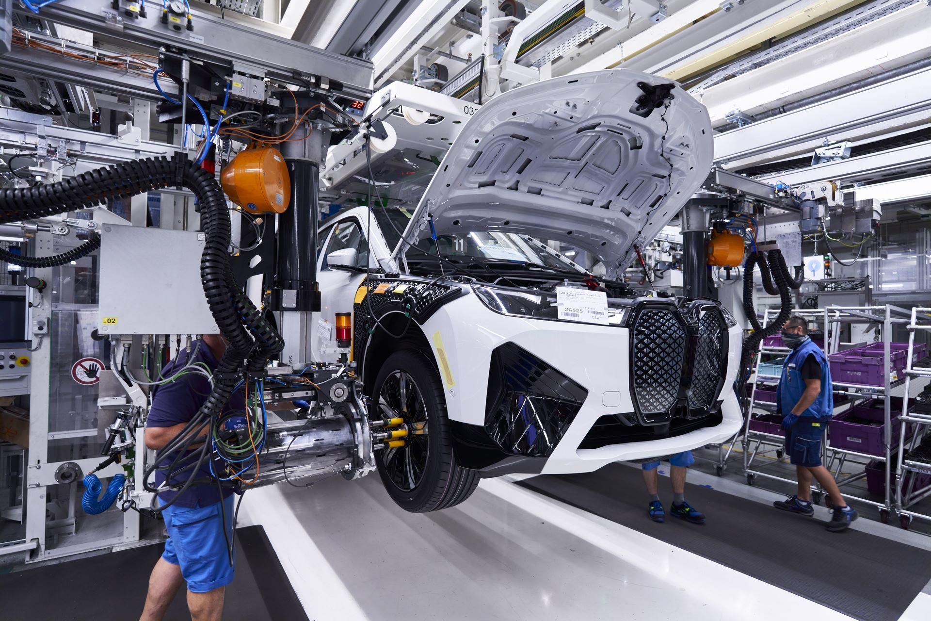 BMW-iX-Plant-15