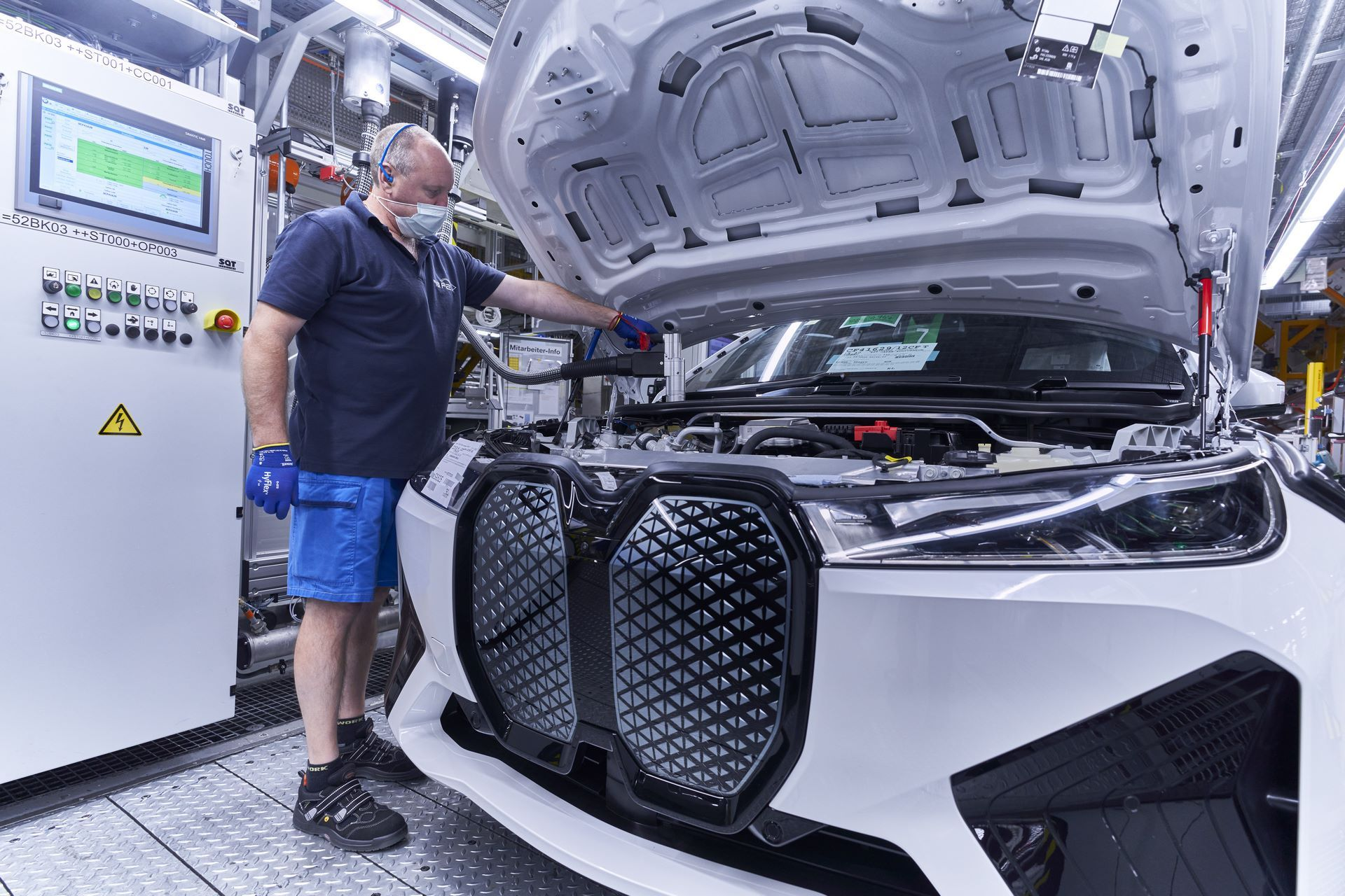 BMW-iX-Plant-16