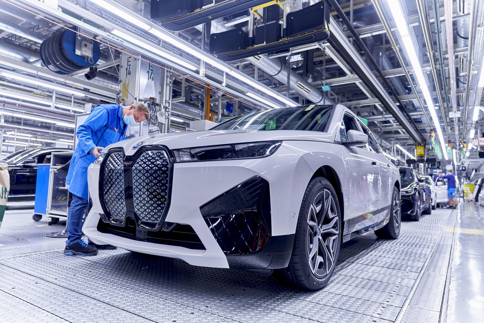 BMW-iX-Plant-20