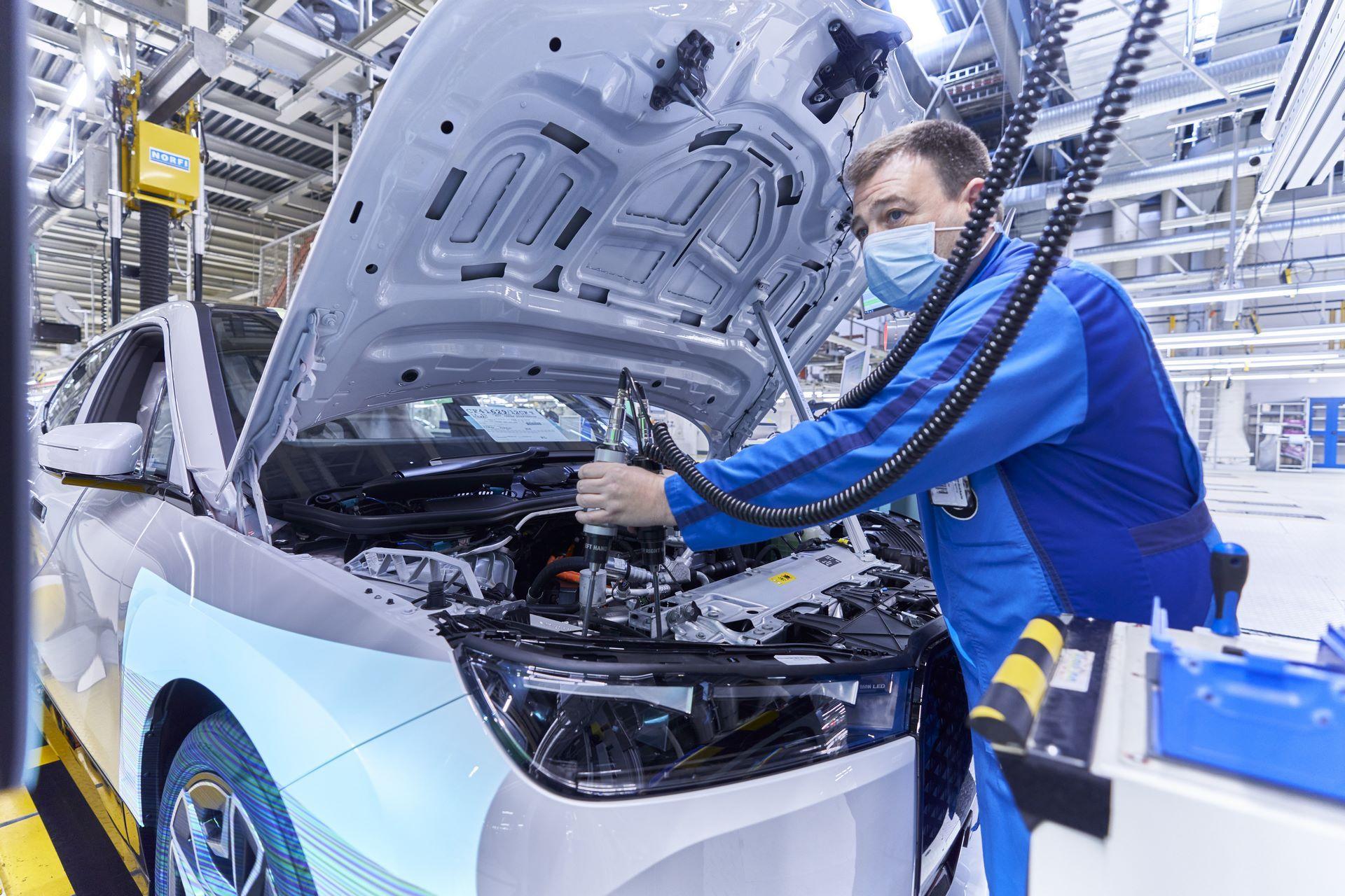 BMW-iX-Plant-22