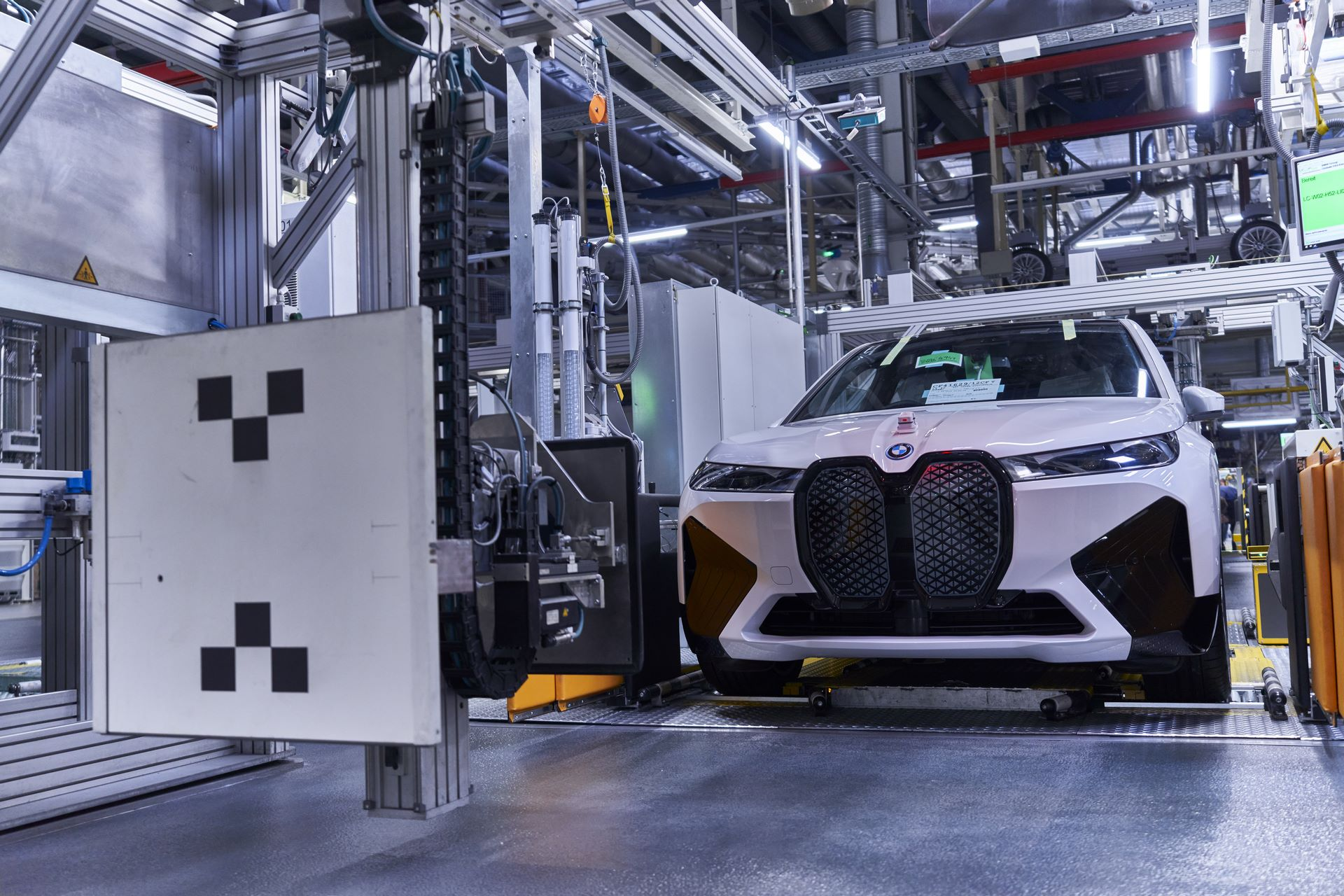 BMW-iX-Plant-23