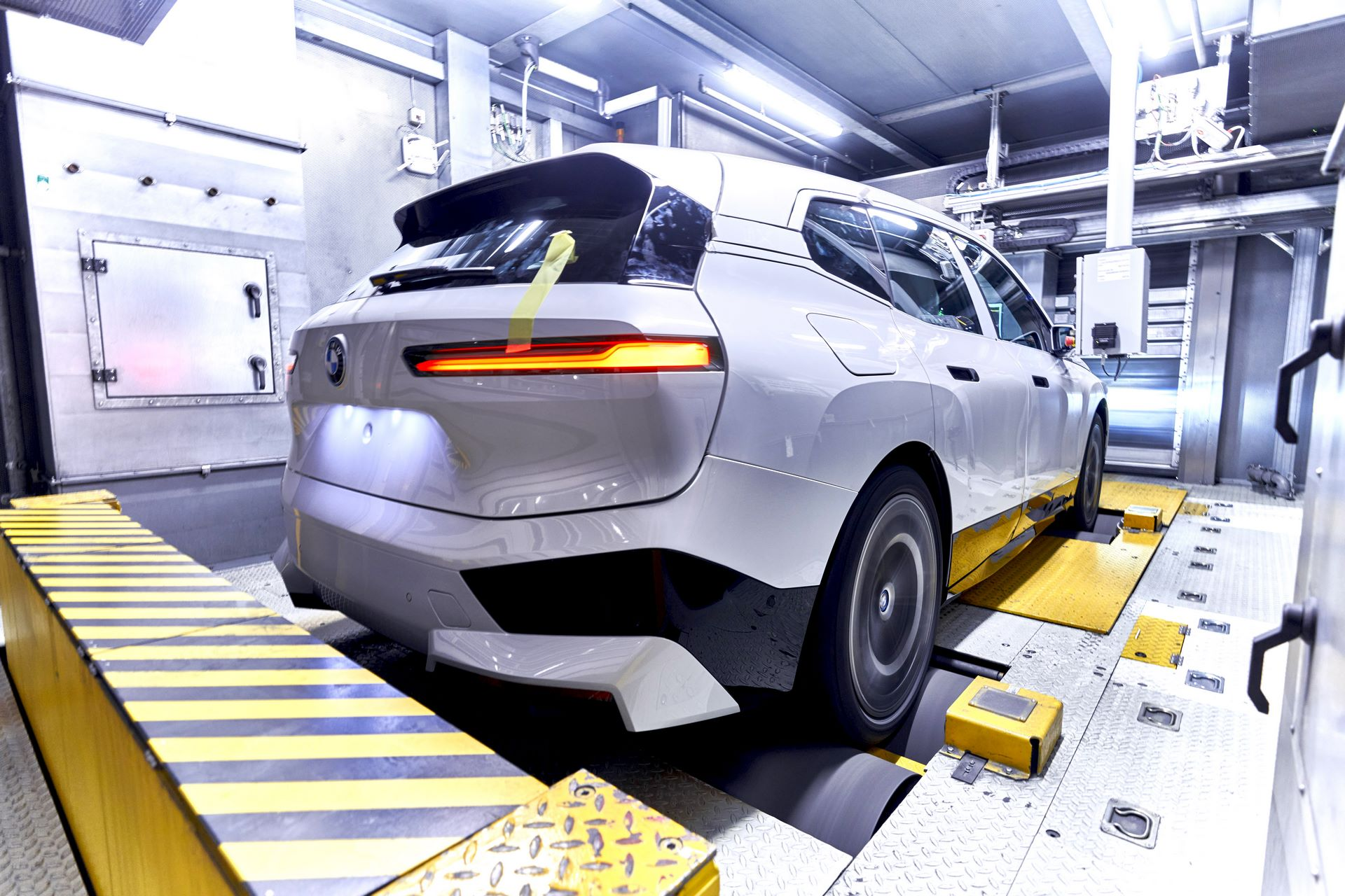 BMW-iX-Plant-24