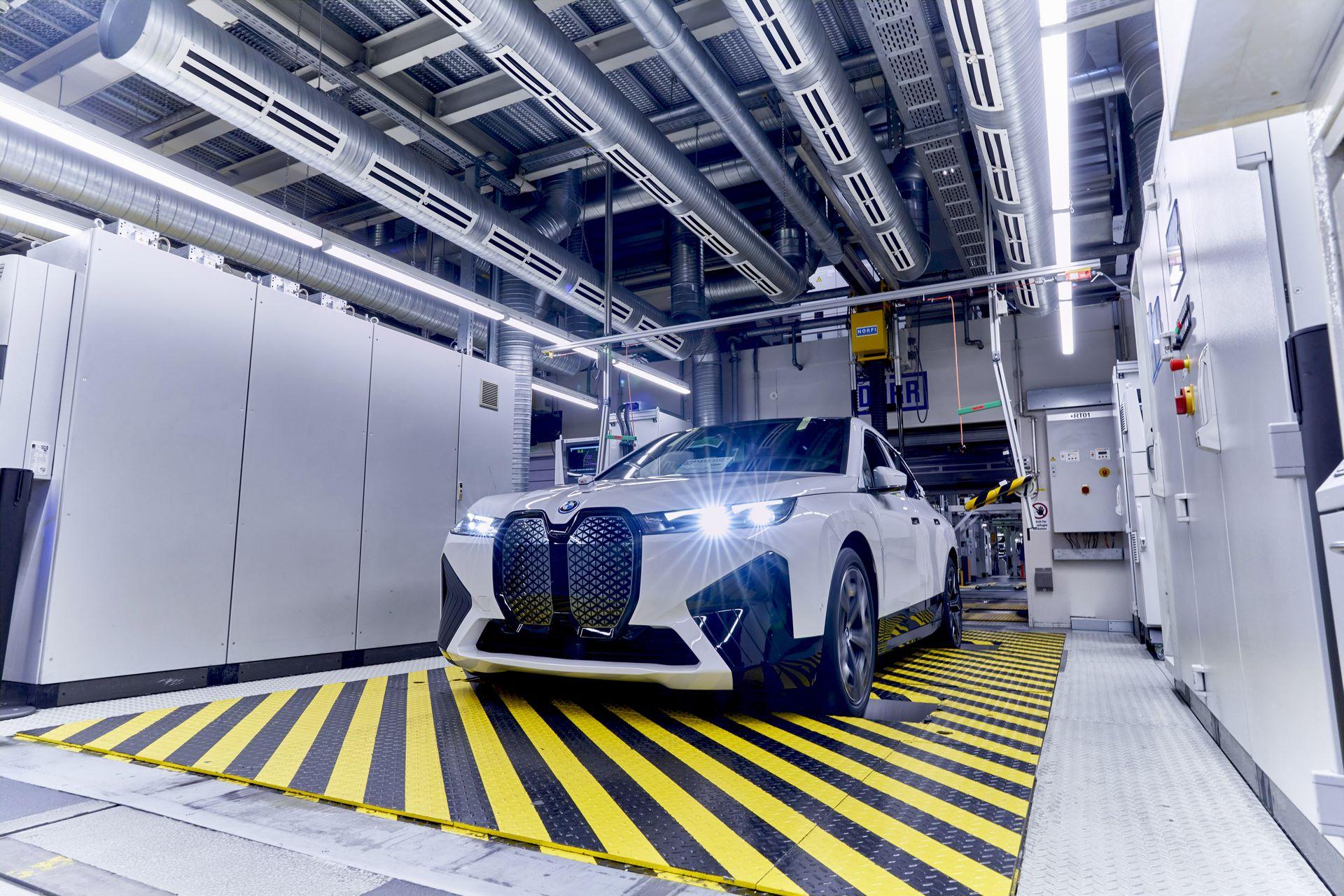 BMW-iX-Plant-25