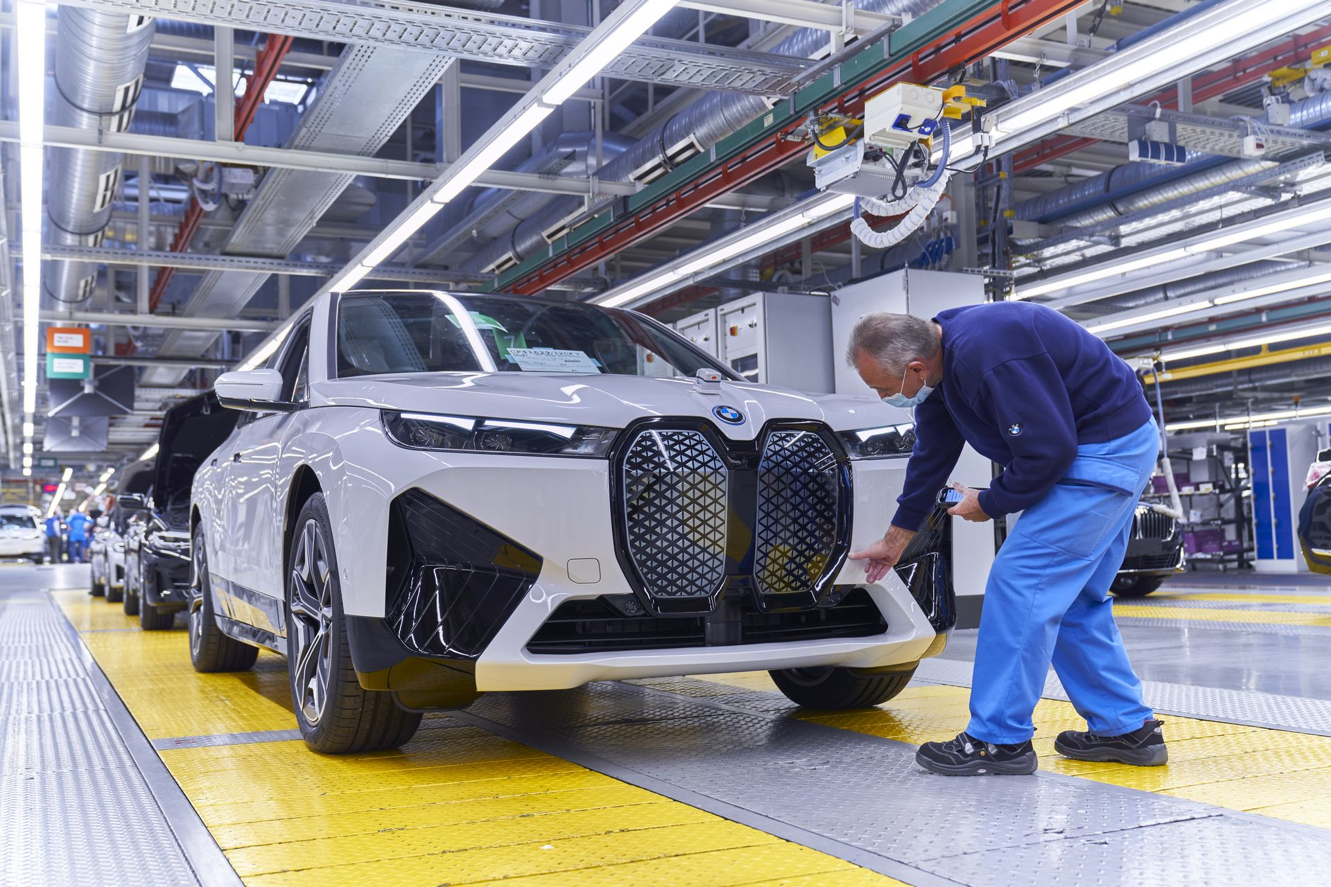 BMW-iX-Plant-26