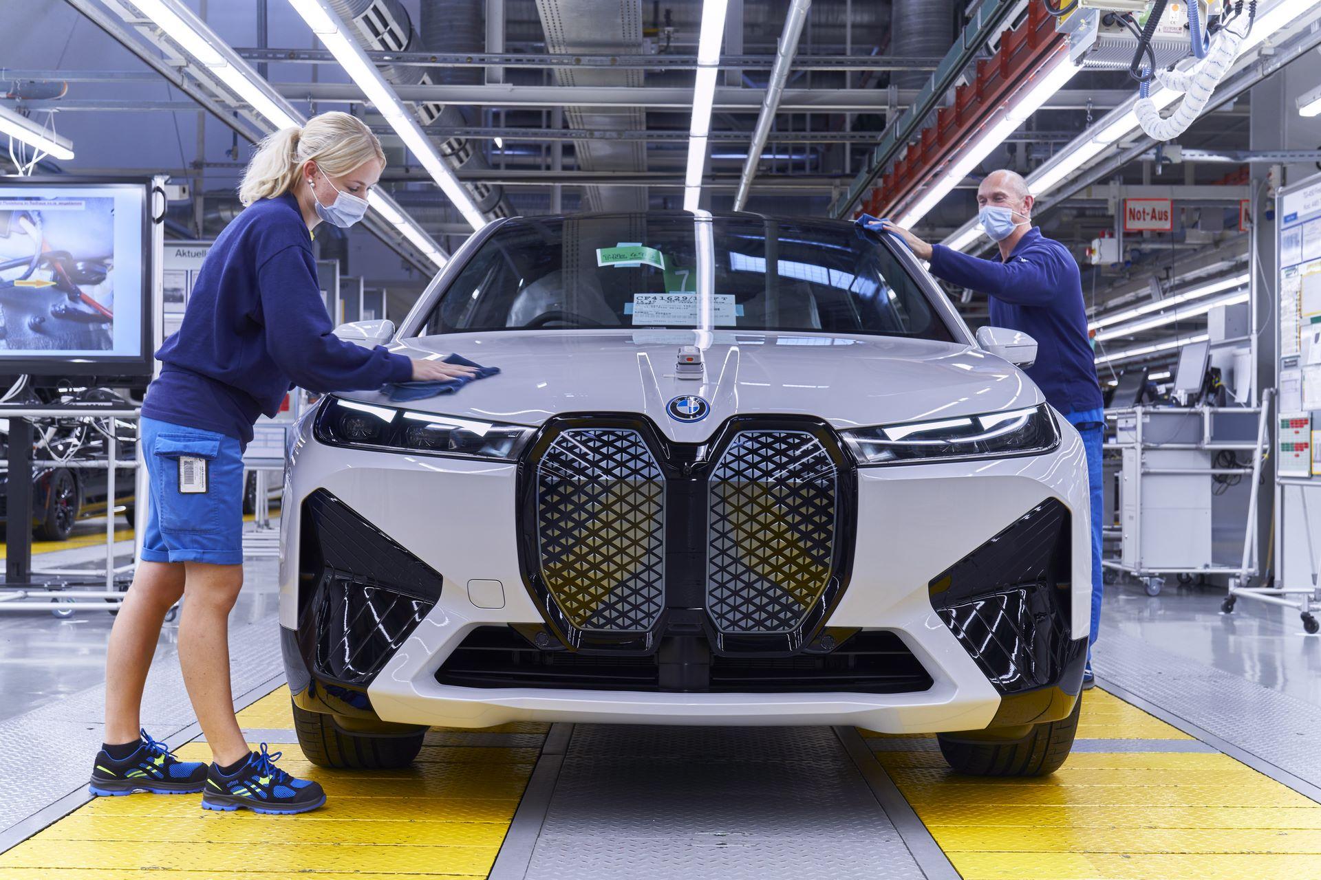 BMW-iX-Plant-27