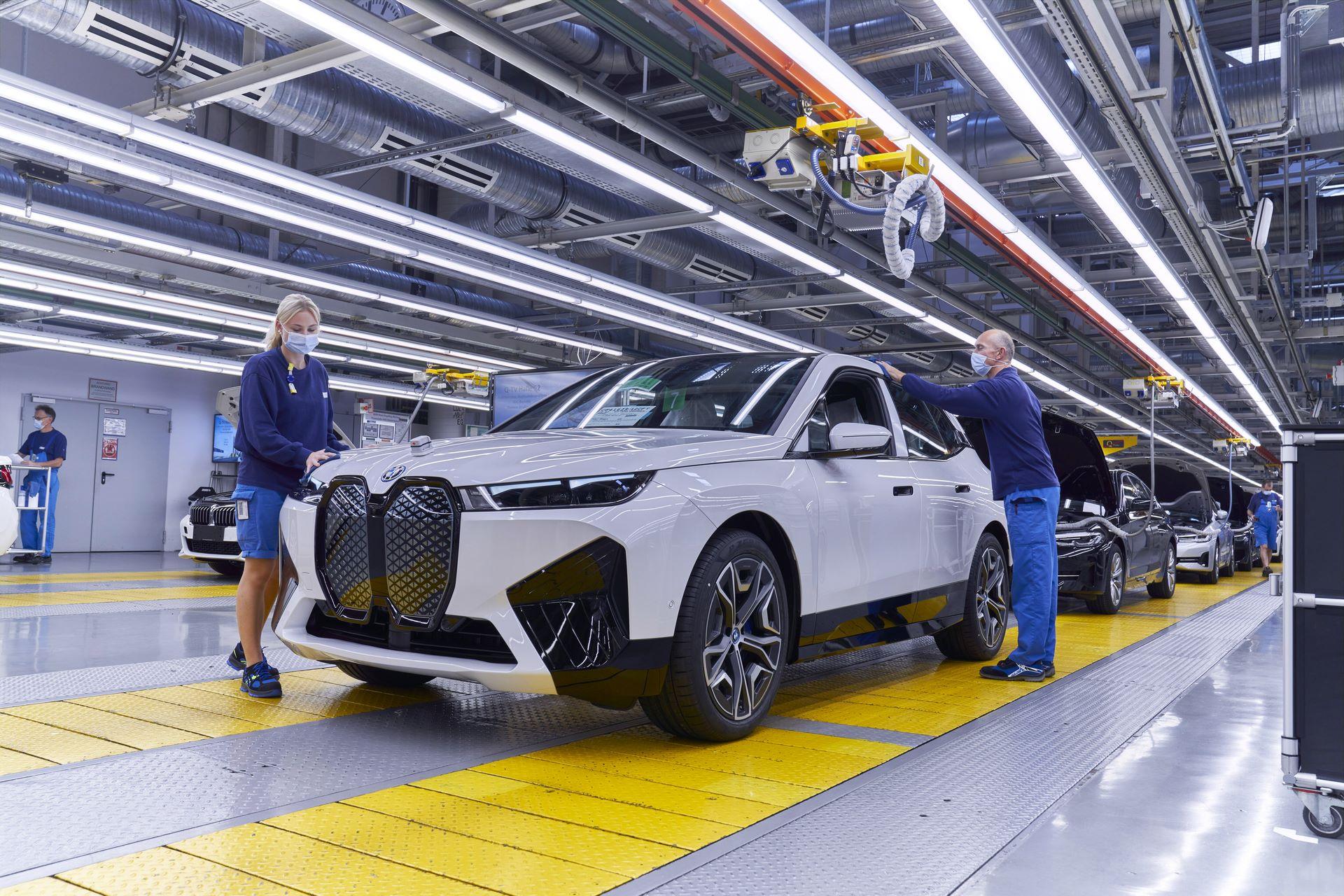 BMW-iX-Plant-28