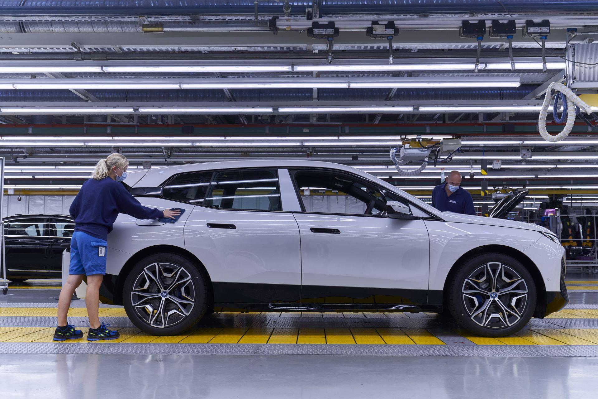 BMW-iX-Plant-29