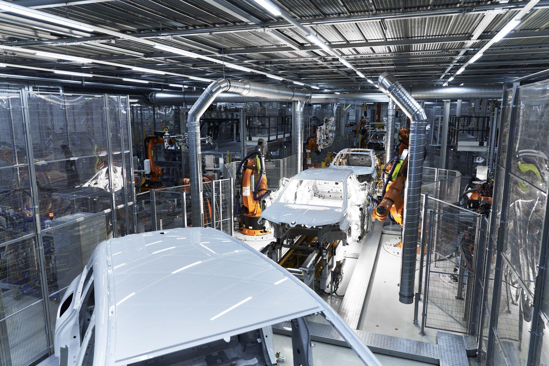 BMW-iX-Plant-3