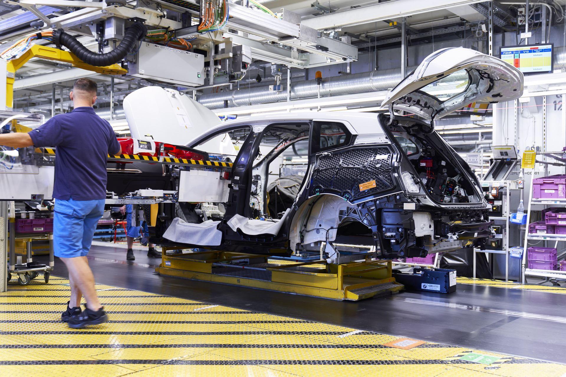 BMW-iX-Plant-8