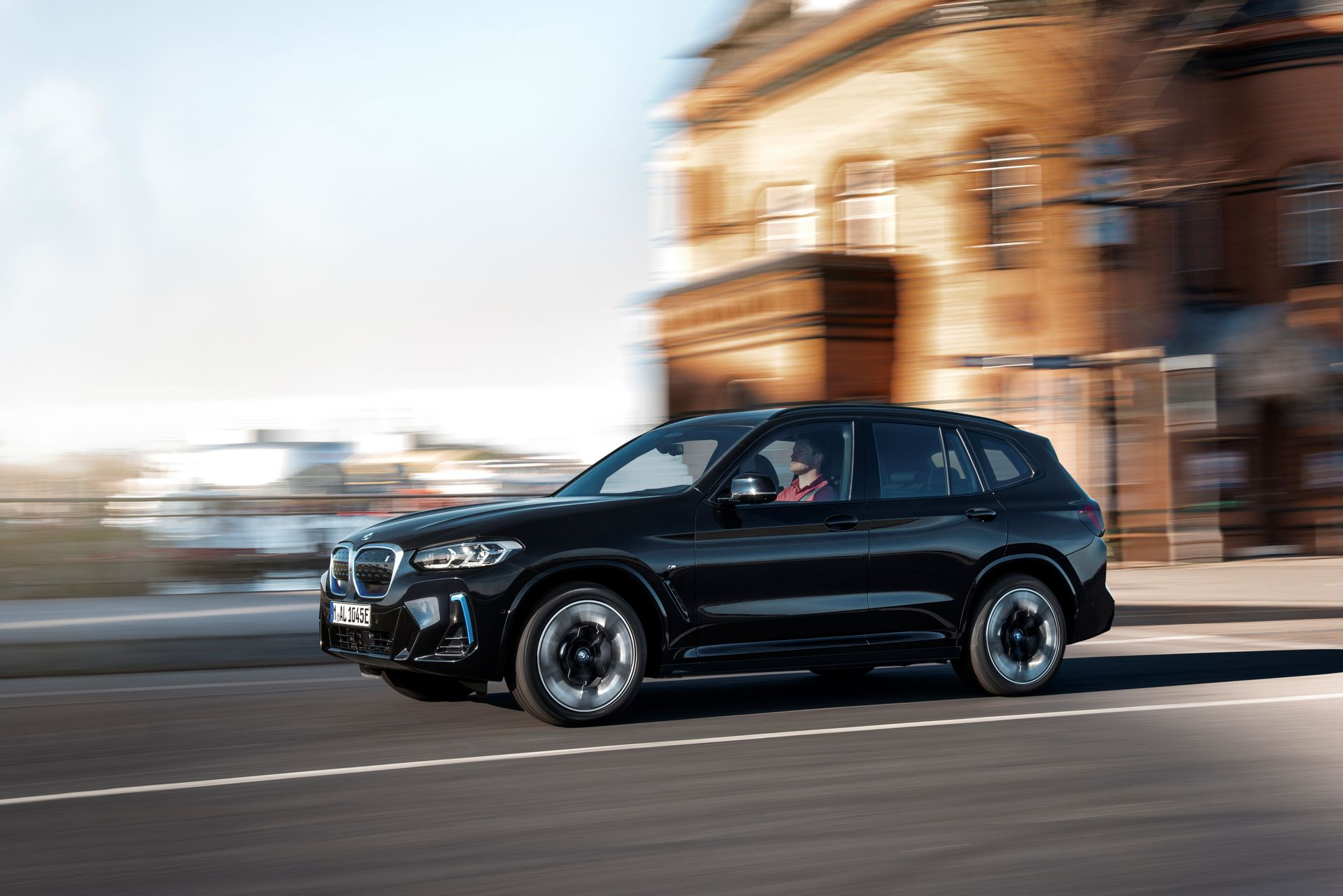 BMW-iX3-facelift-1