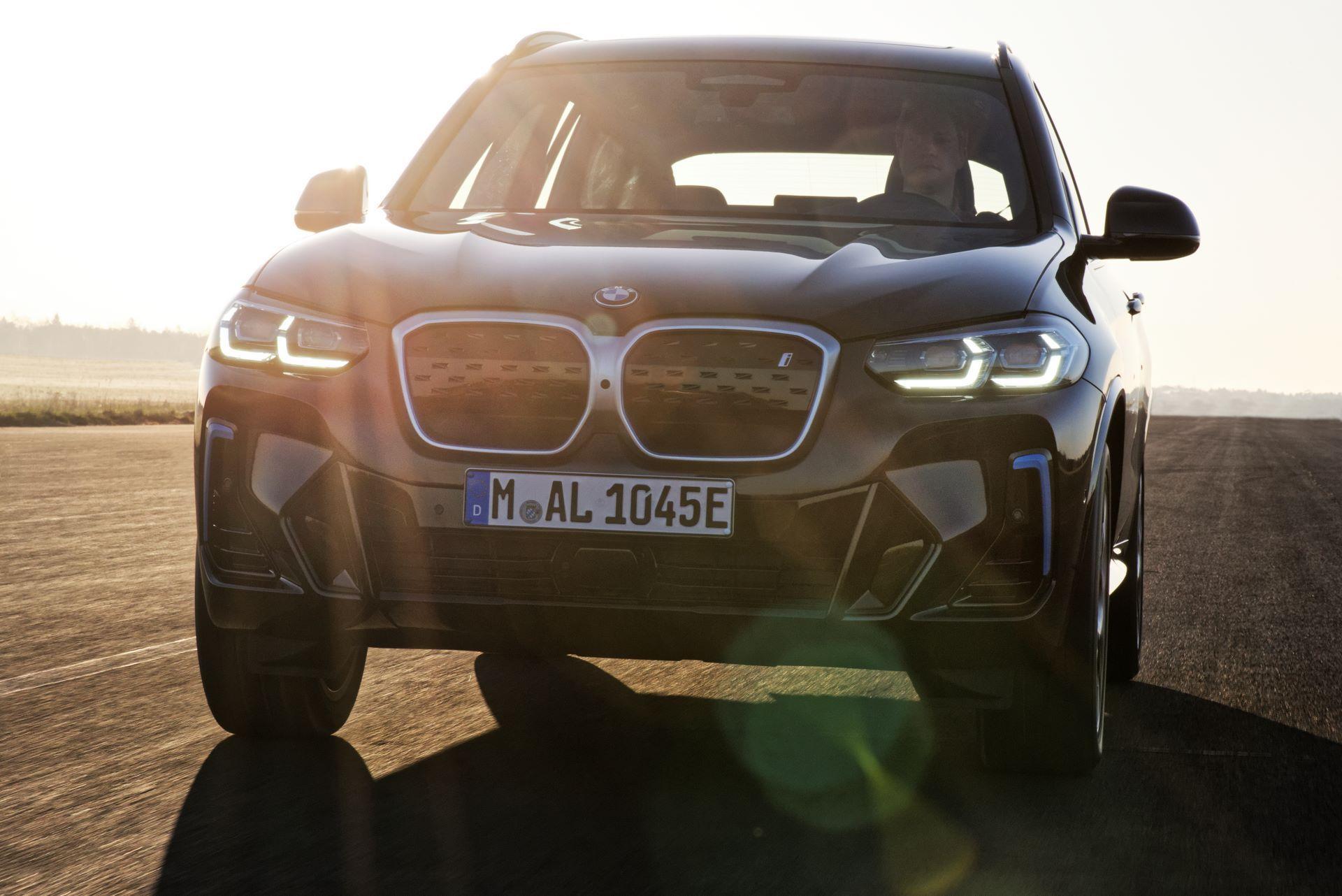 BMW-iX3-facelift-18