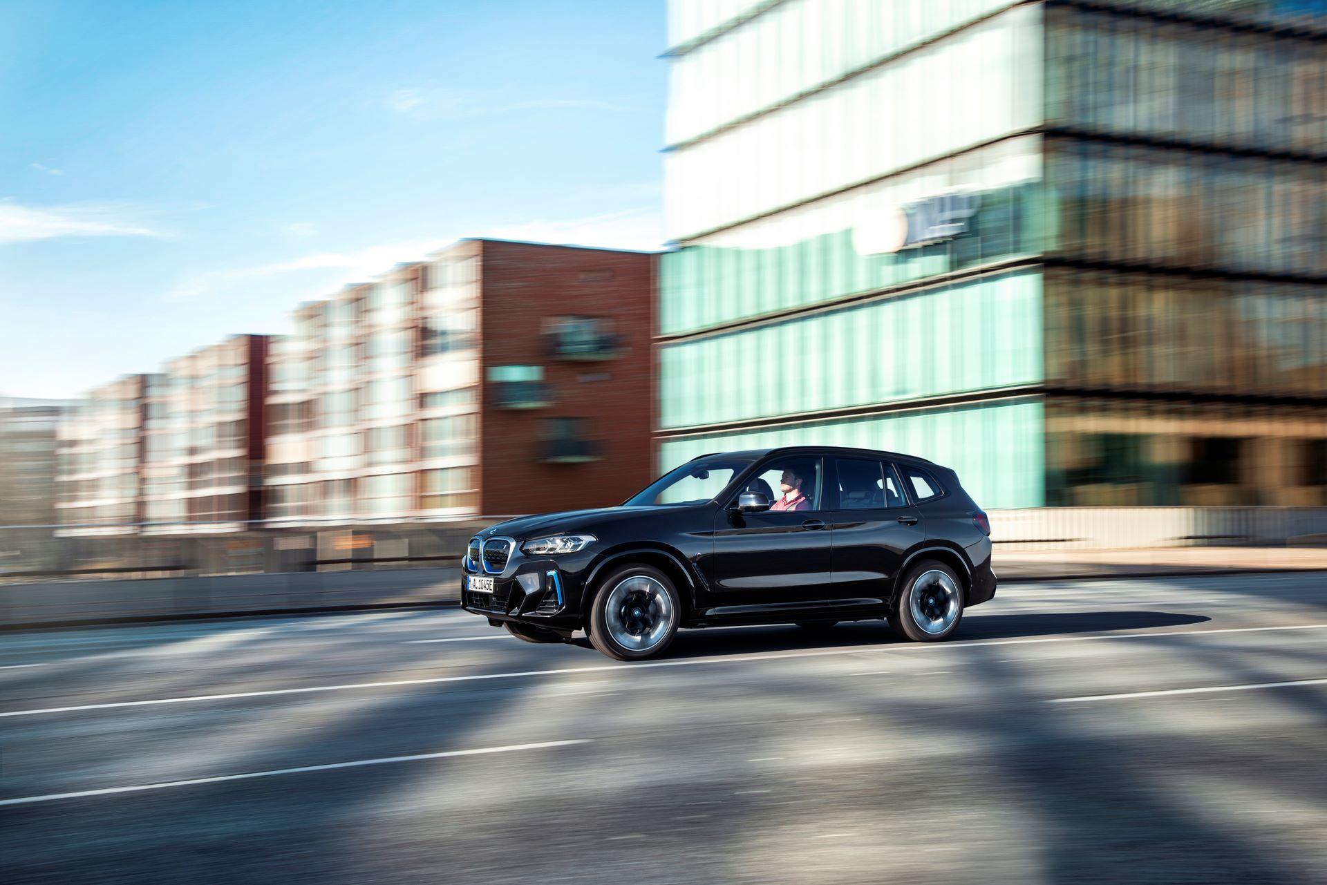BMW-iX3-facelift-2