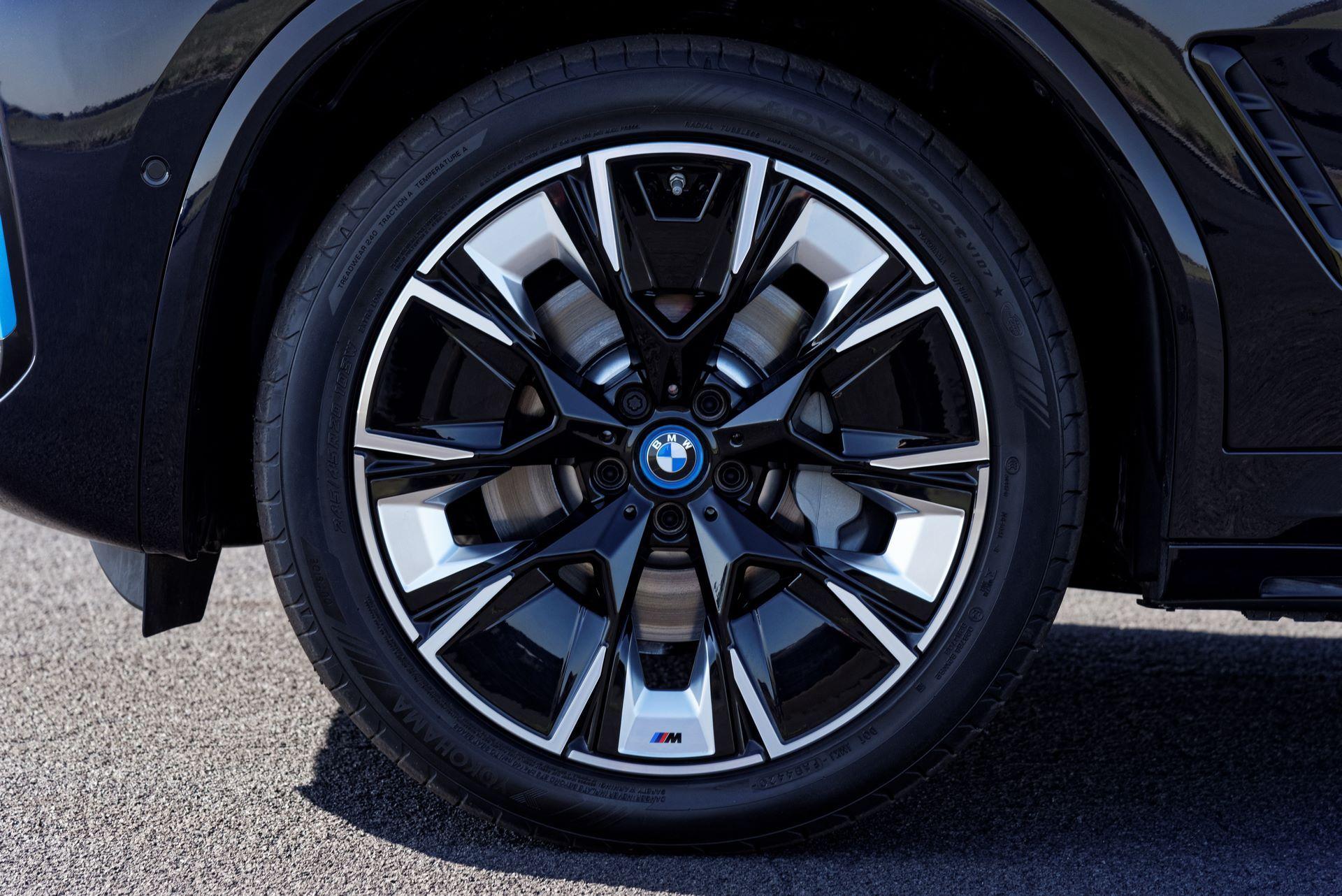 BMW-iX3-facelift-21