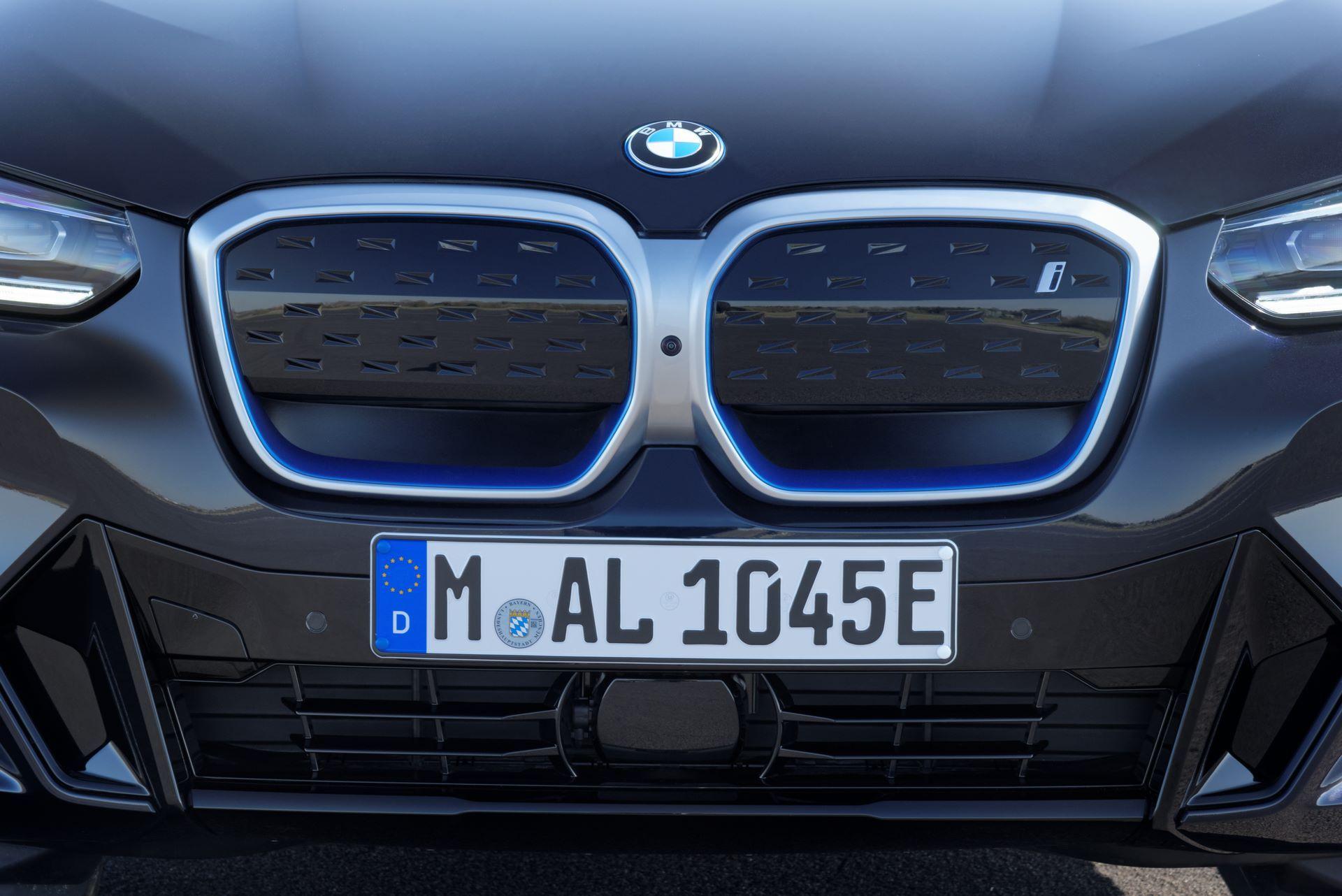 BMW-iX3-facelift-30