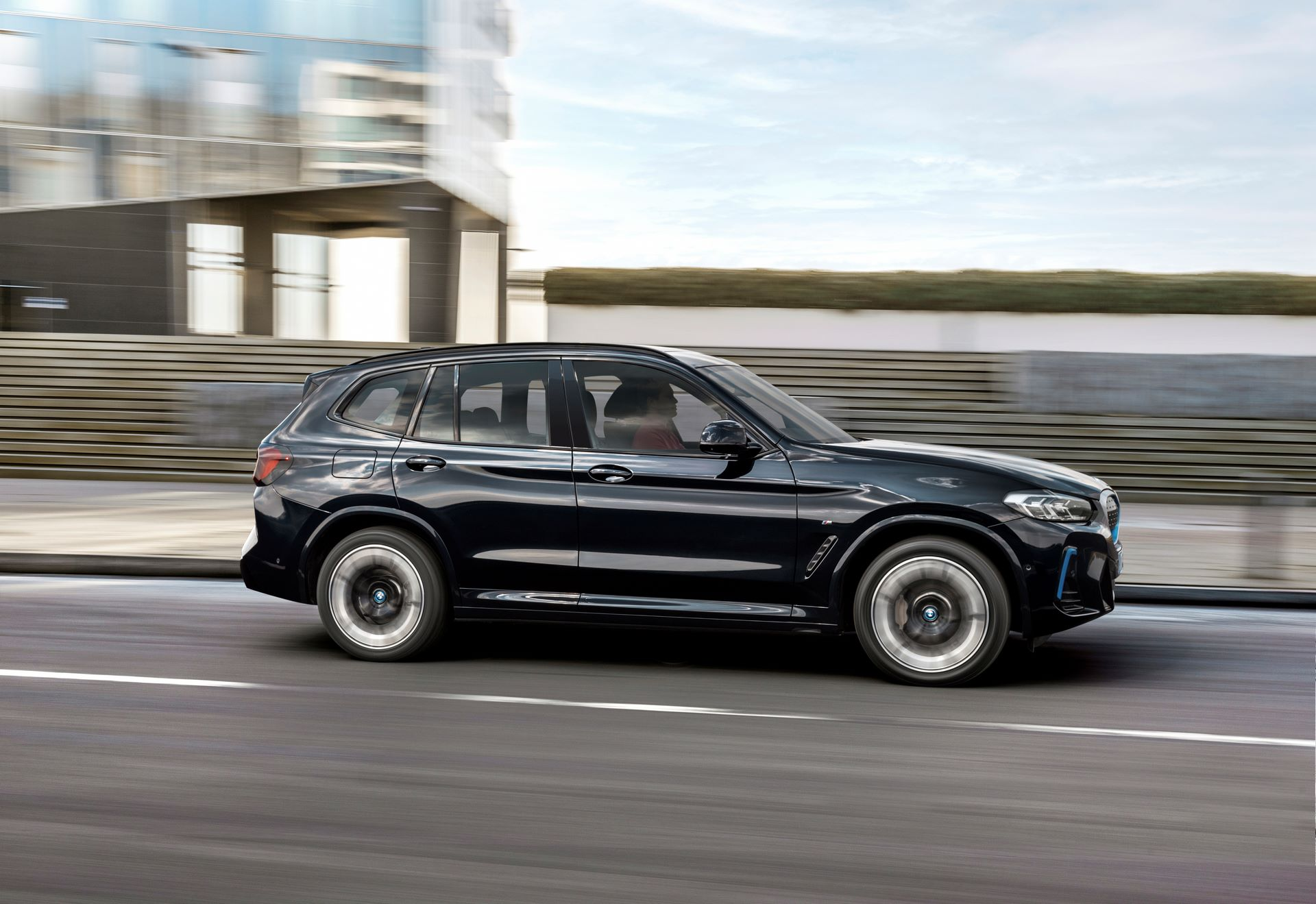 BMW-iX3-facelift-6