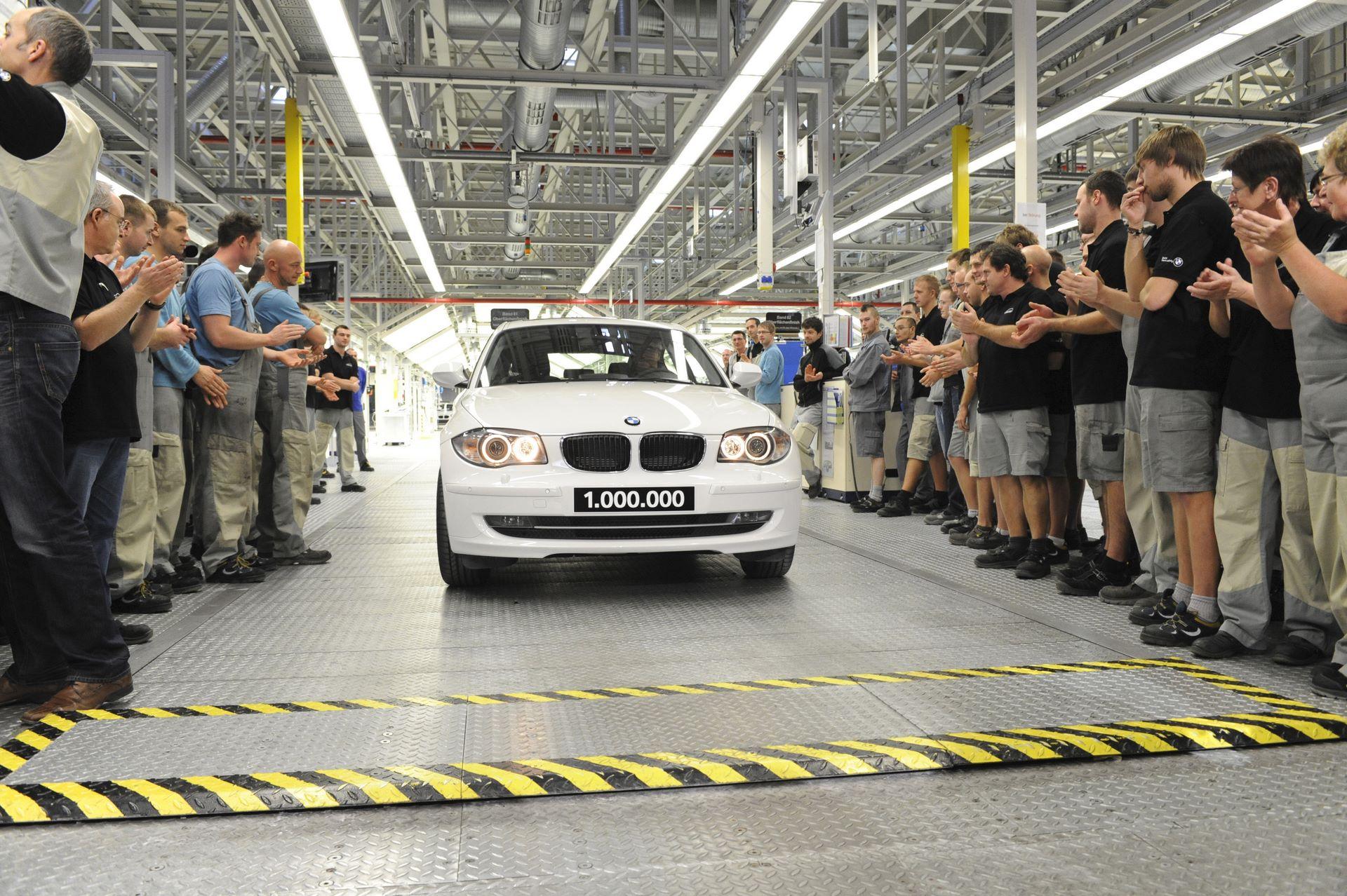 Foto: BMW AG / Fotograf: Martin Klindtworth - Einmillionster BMW aus Leipzig - 09.12.2011