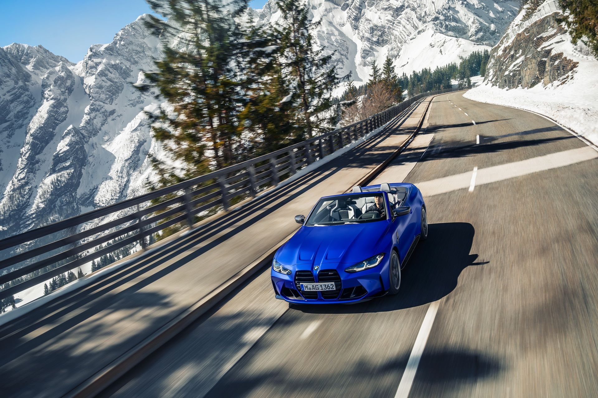 BMW-M4-Convertible-1