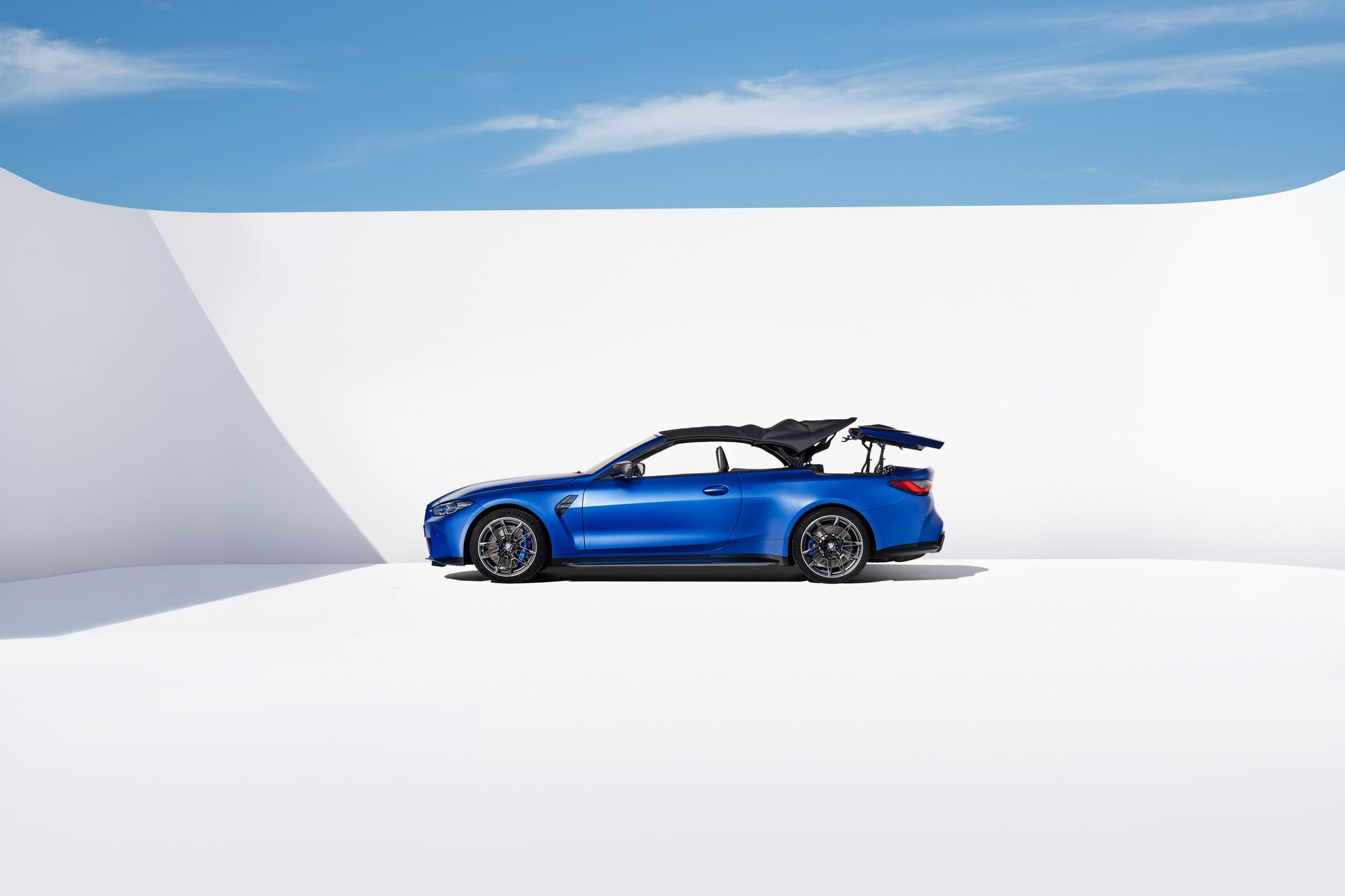 BMW-M4-Convertible-33