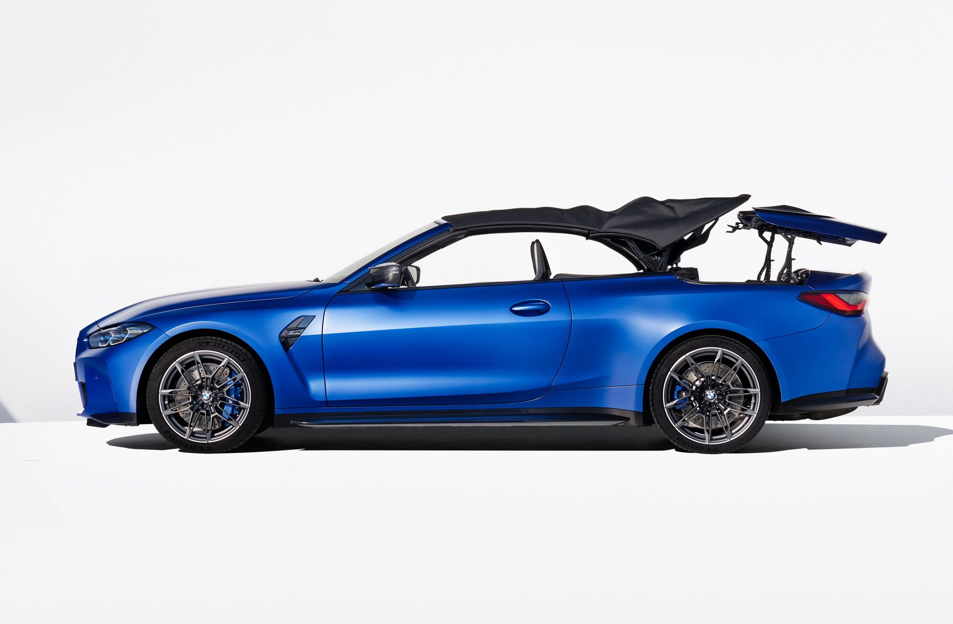 BMW-M4-Convertible-49
