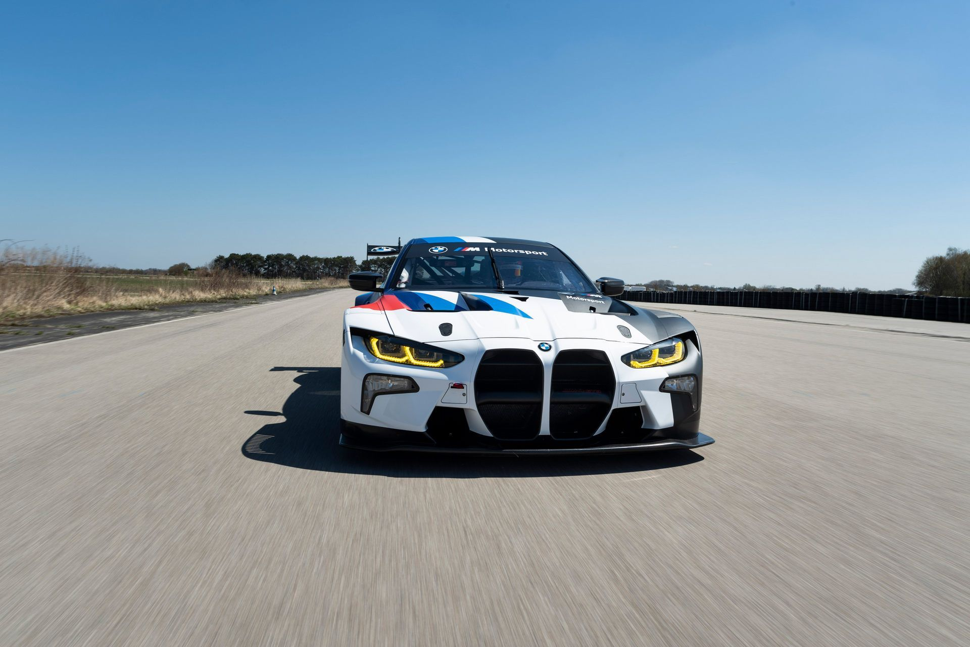 BMW-M4-GT3-30