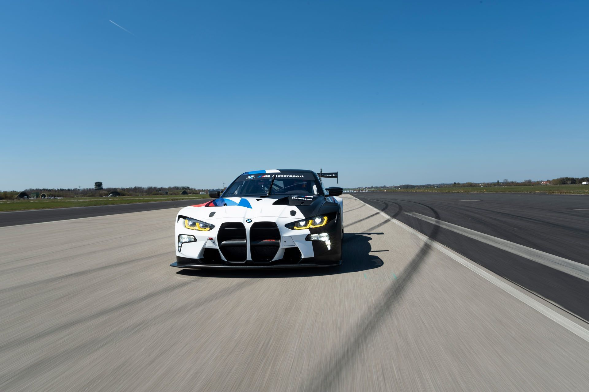 BMW-M4-GT3-31