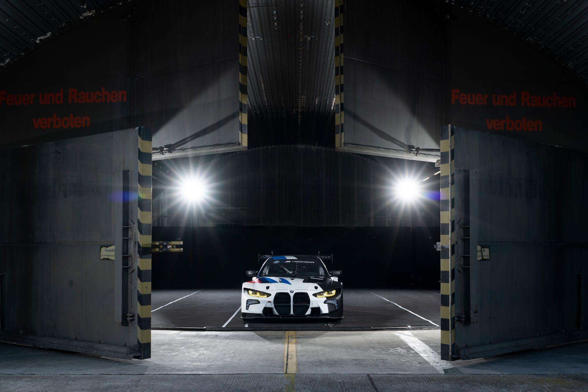 BMW-M4-GT3-36