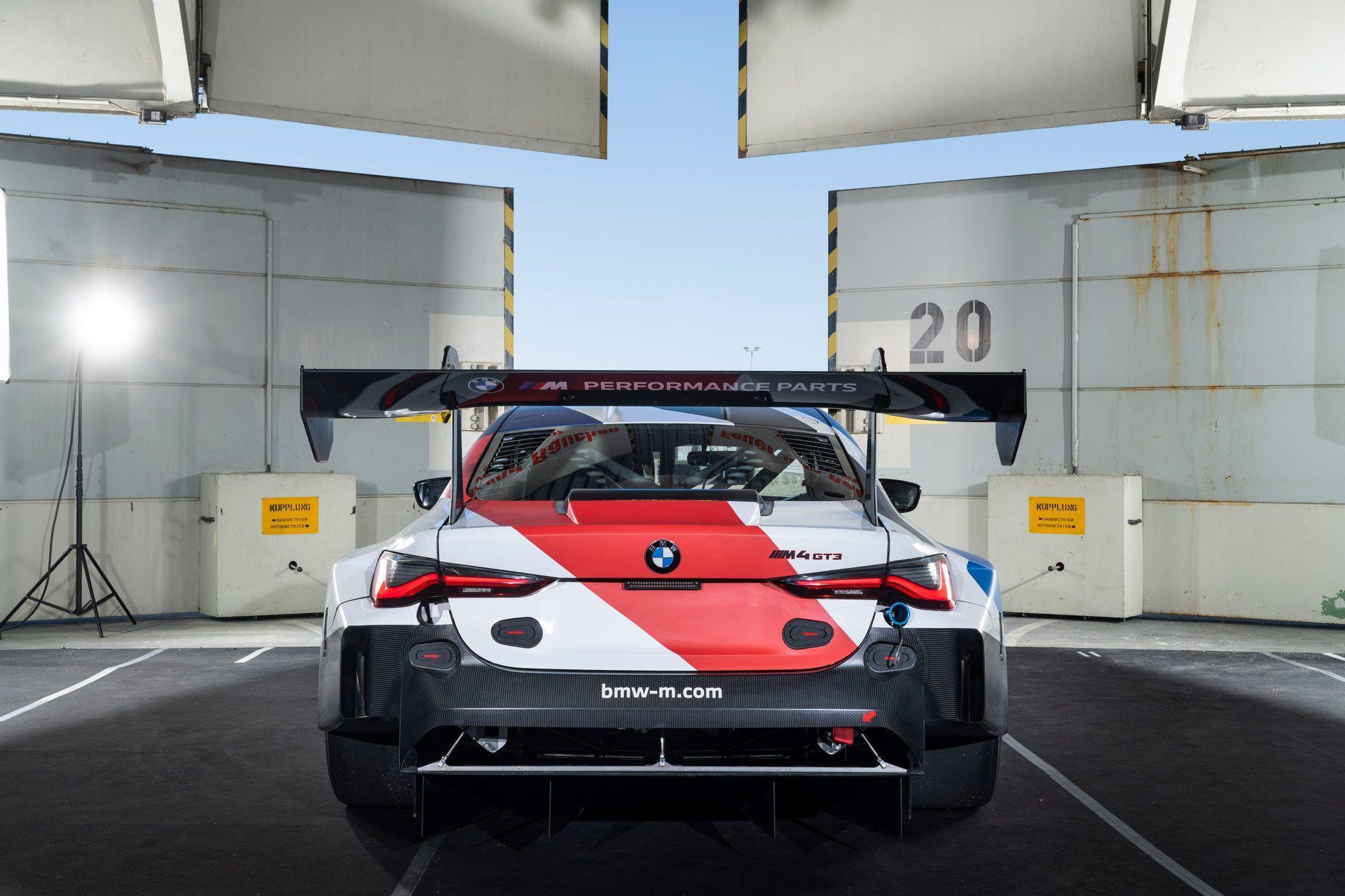 BMW-M4-GT3-38