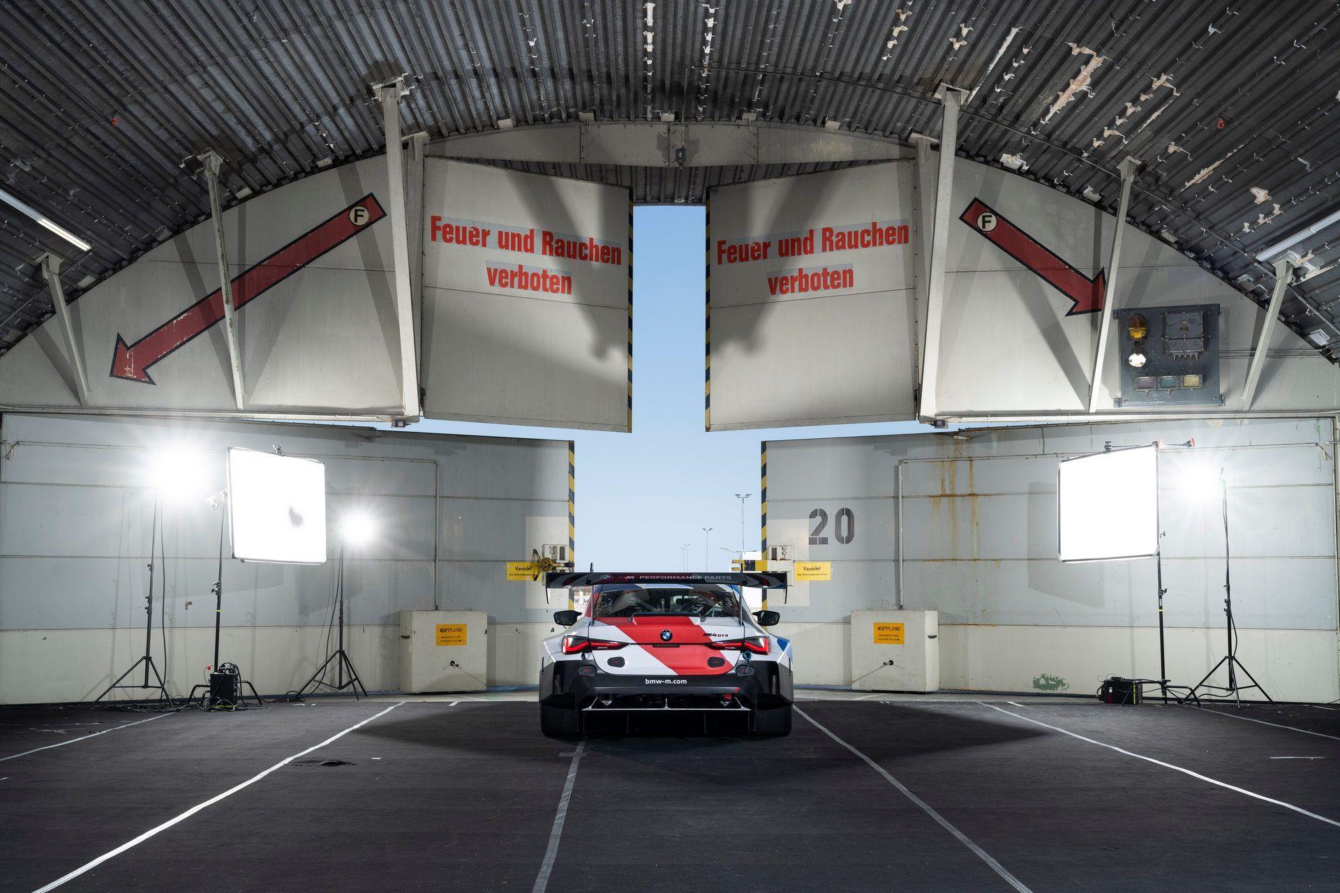 BMW-M4-GT3-43