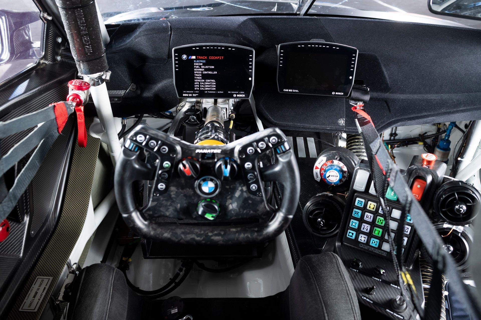 BMW-M4-GT3-46