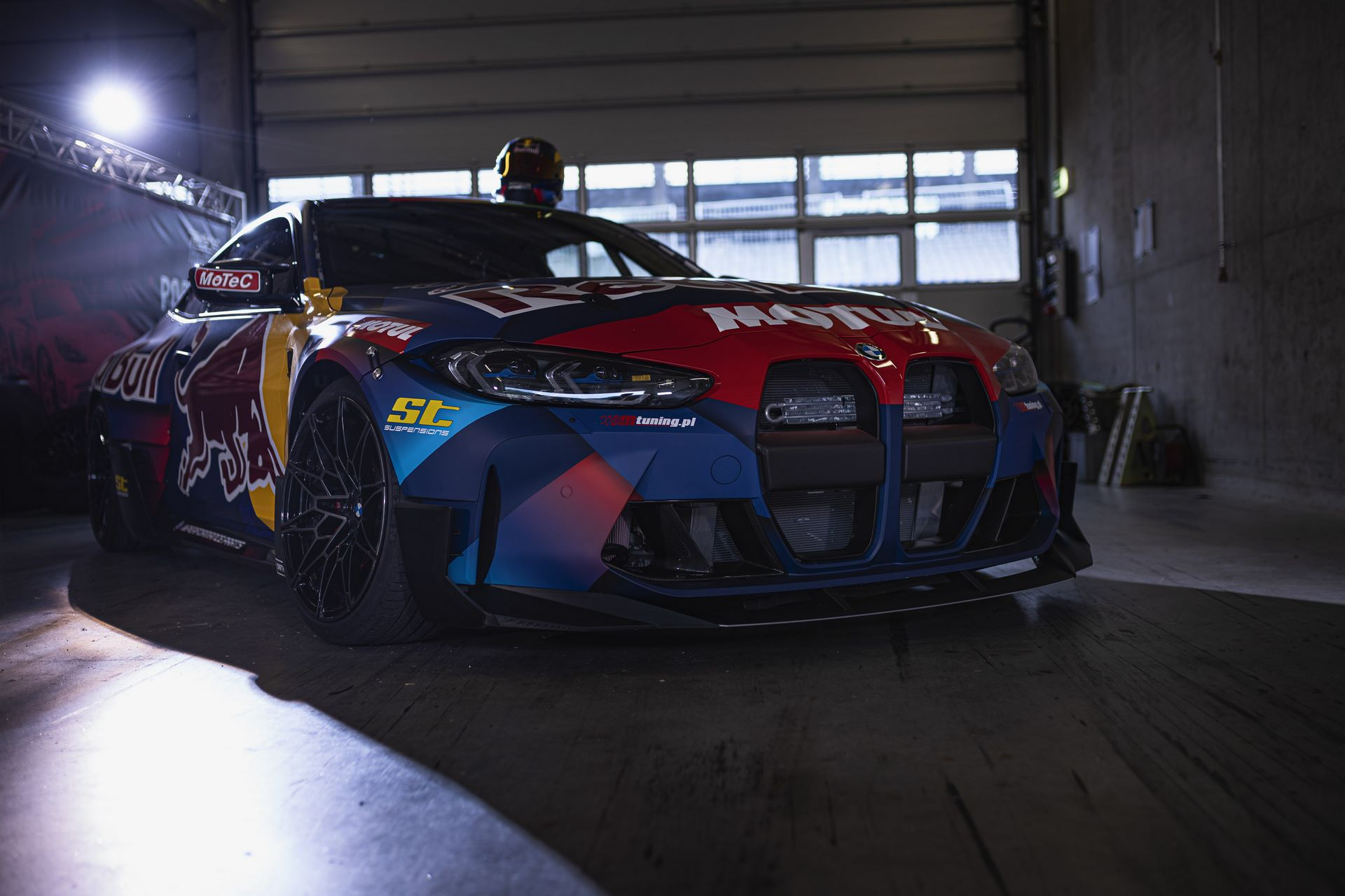 BMW-M4-Red-Bull-Driftbrothers-10