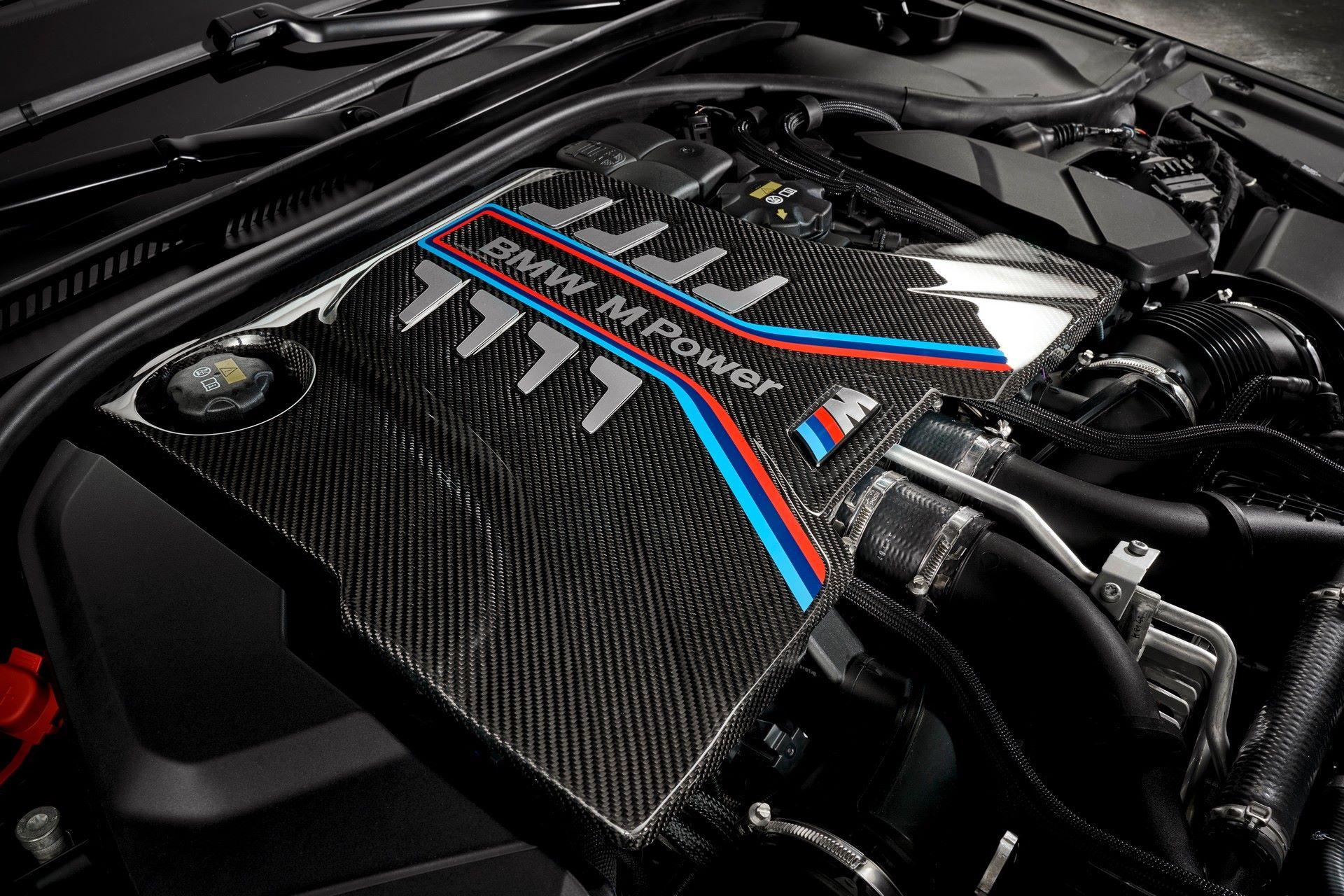 2022-BMW-M5-CS-128