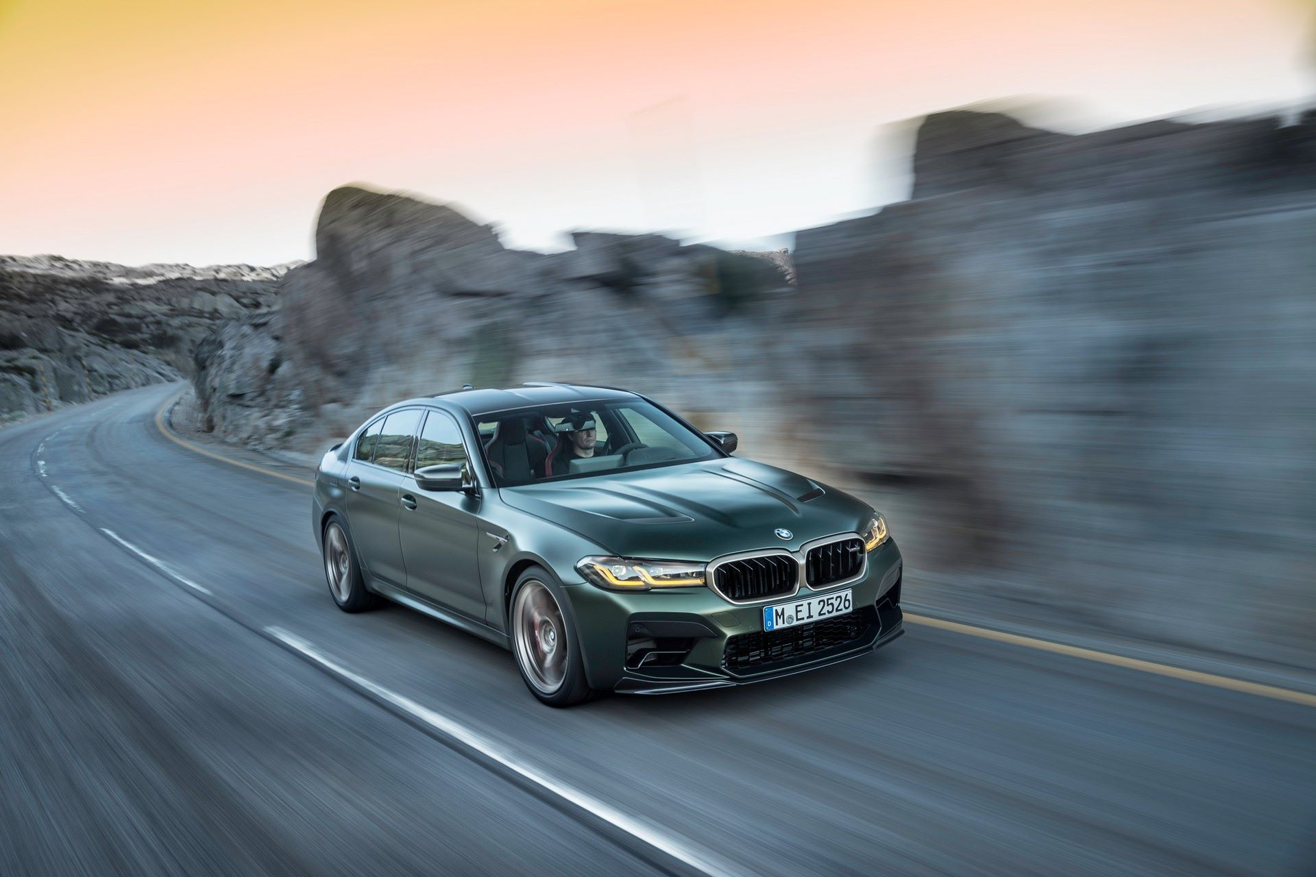 2022-BMW-M5-CS-19
