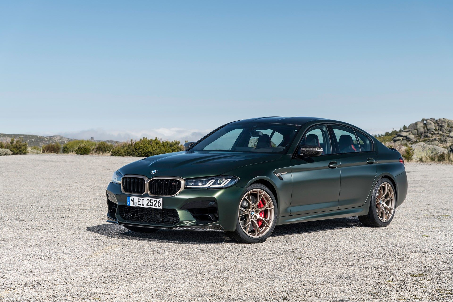 2022-BMW-M5-CS-43