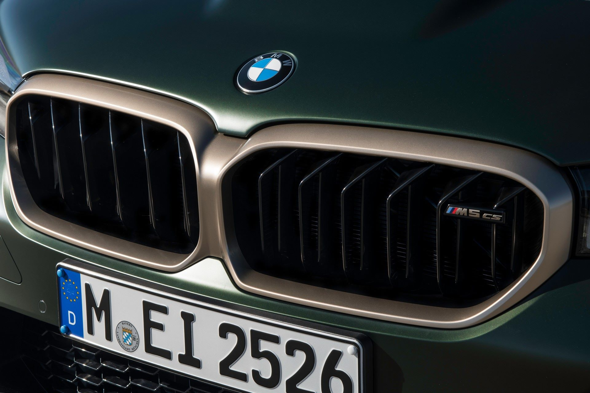 2022-BMW-M5-CS-65
