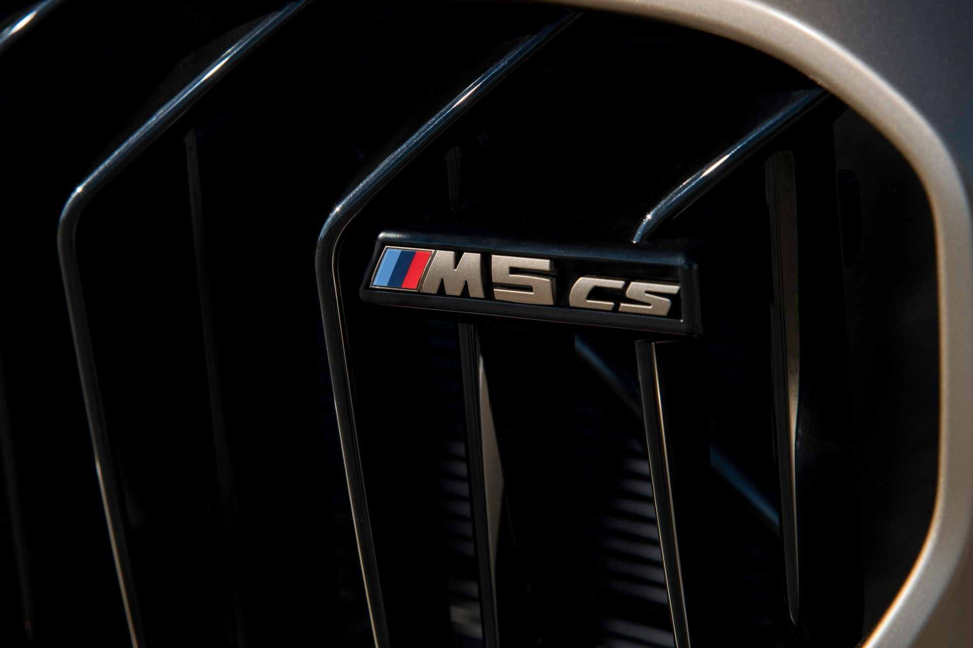 2022-BMW-M5-CS-66
