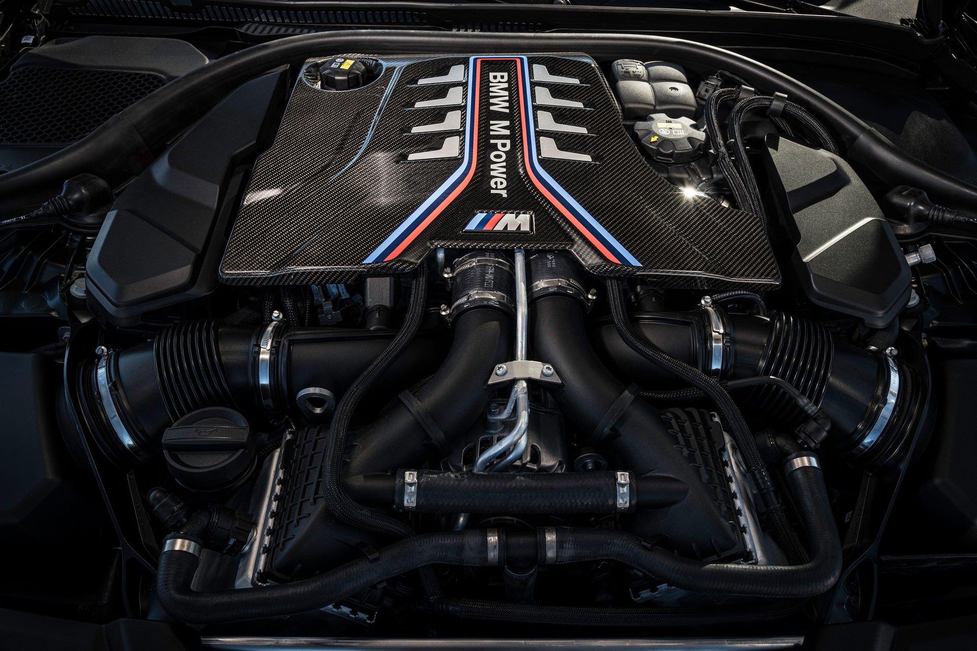 2022-BMW-M5-CS-96